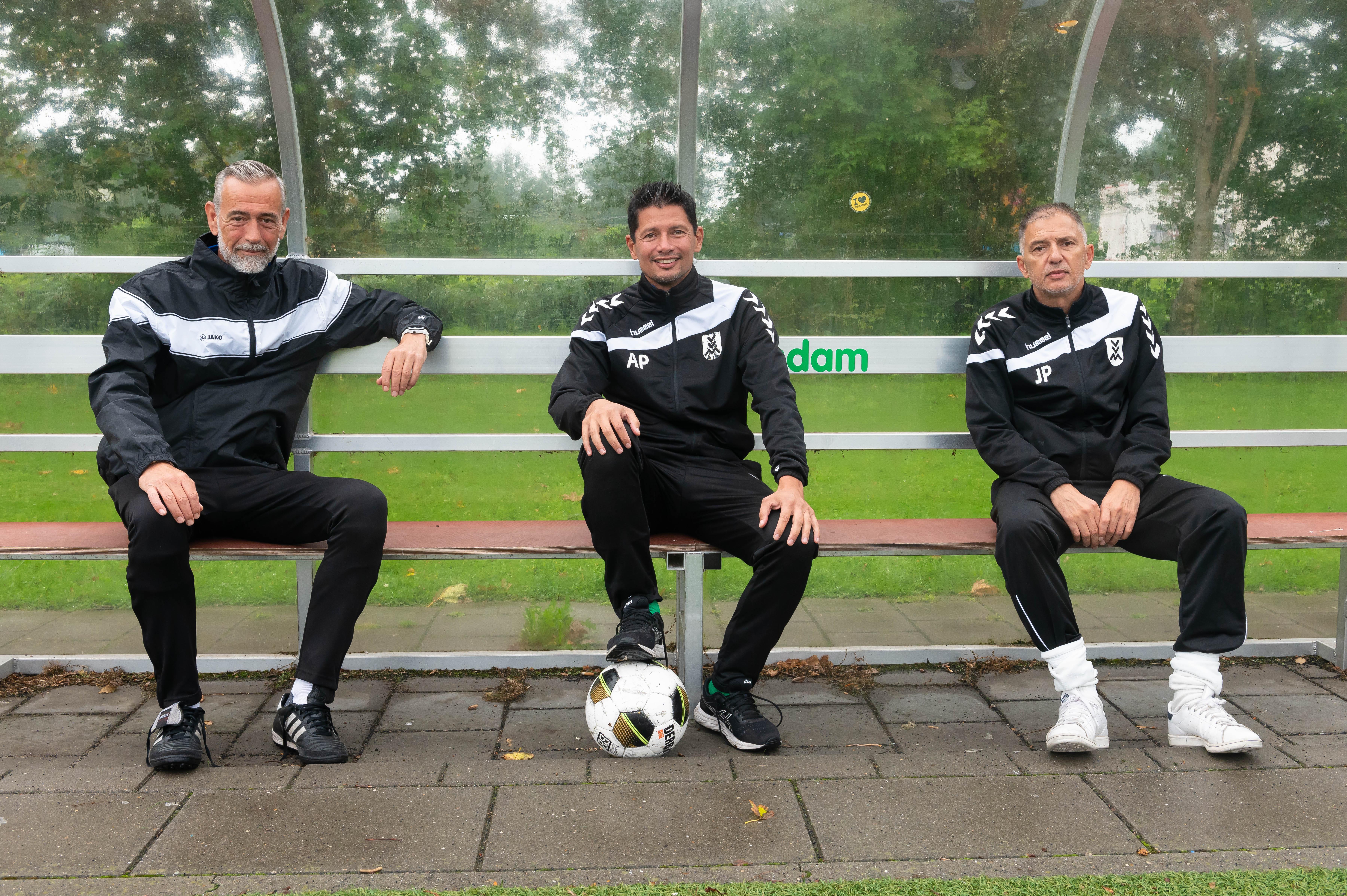 Ab Persijn stopt na vijf jaar als trainer voetbalclub Monnickendam