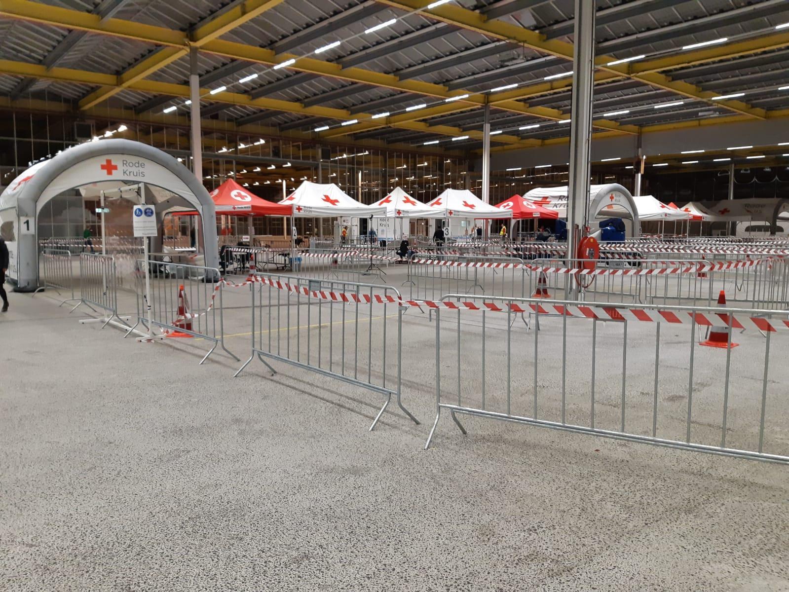Teststraat Expo Haarlemmermeer uitgebreid, nu een van de grootste coronatestlocaties van het land