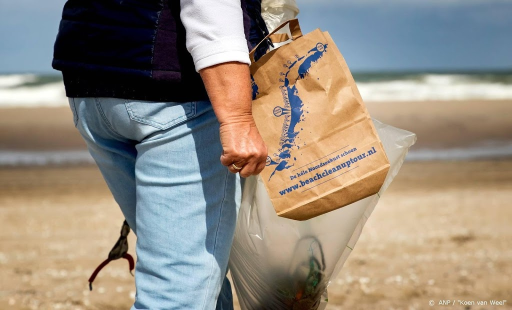 Oproep om strand schoon te houden na afgelasten van opruimdag