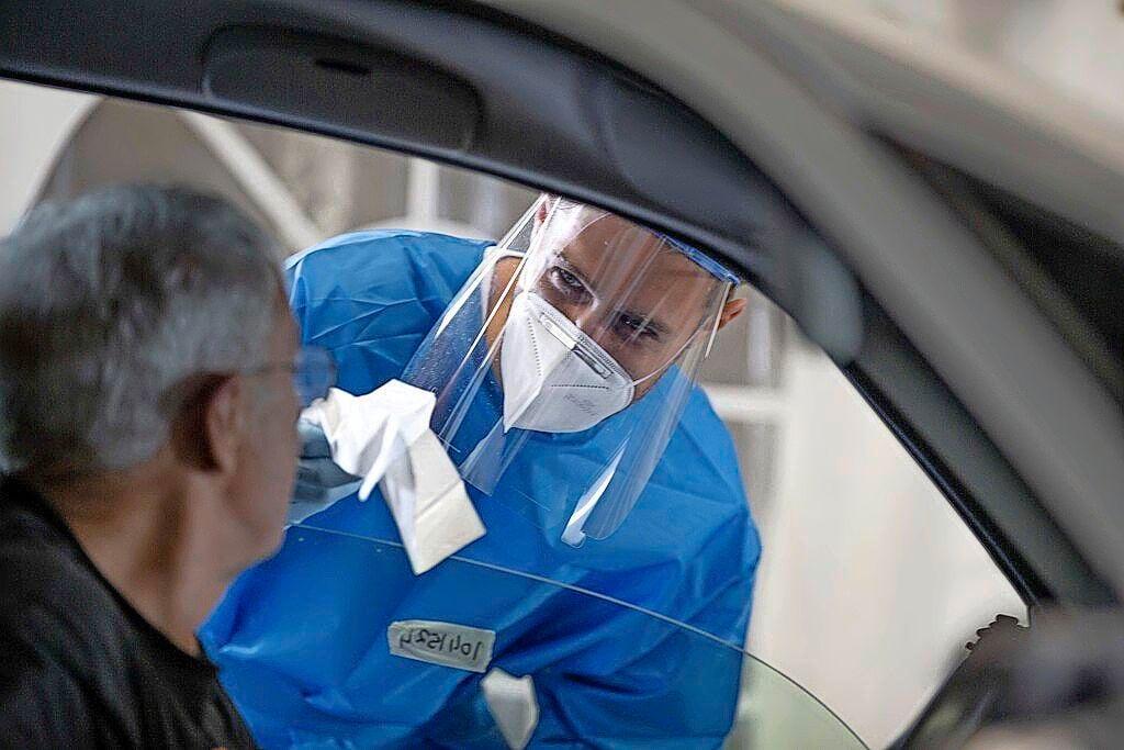 96 nieuwe besmettingen IJmond, daling na piek op zaterdag