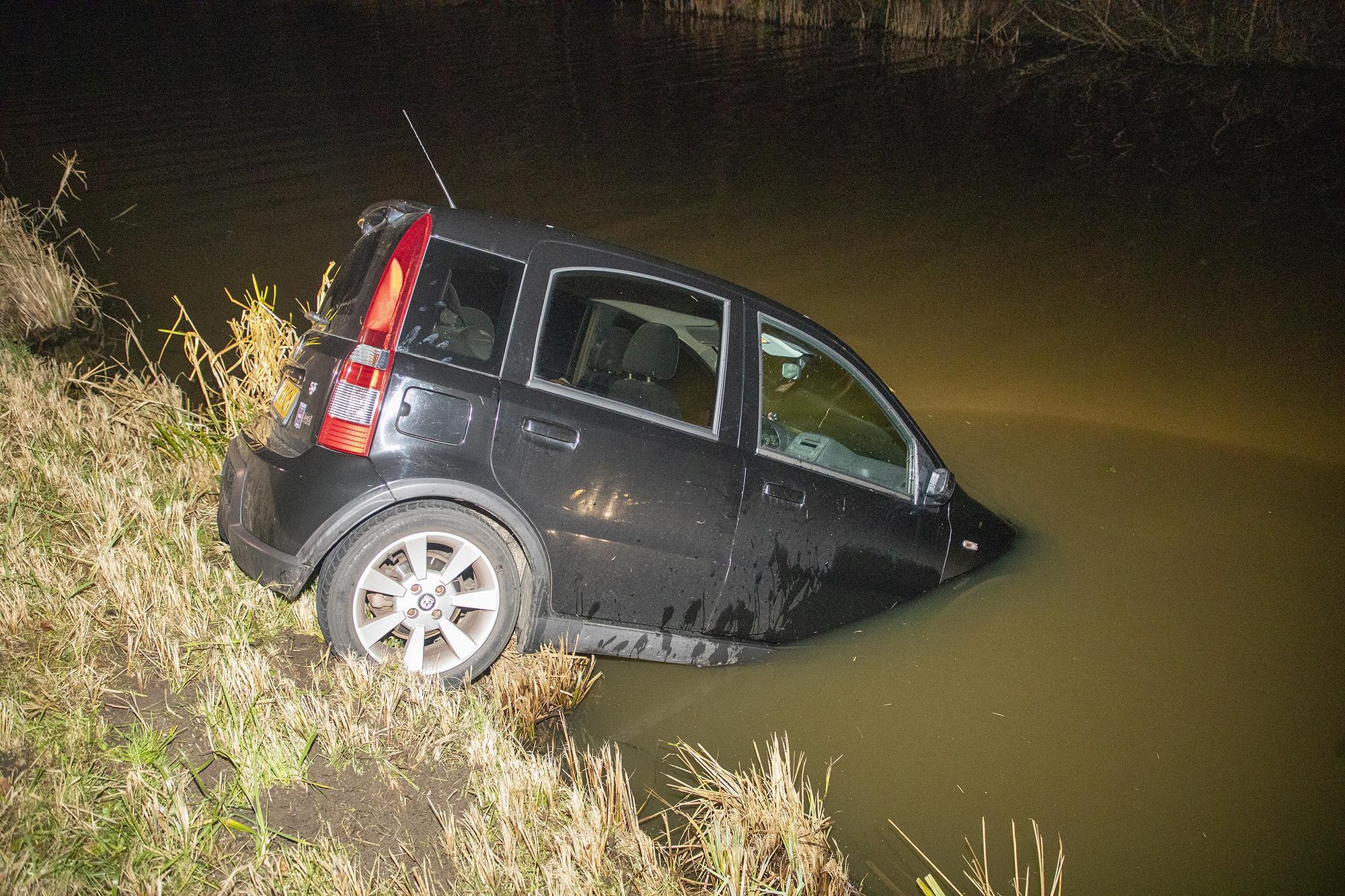 Automobilist raakt te water in Heemstede