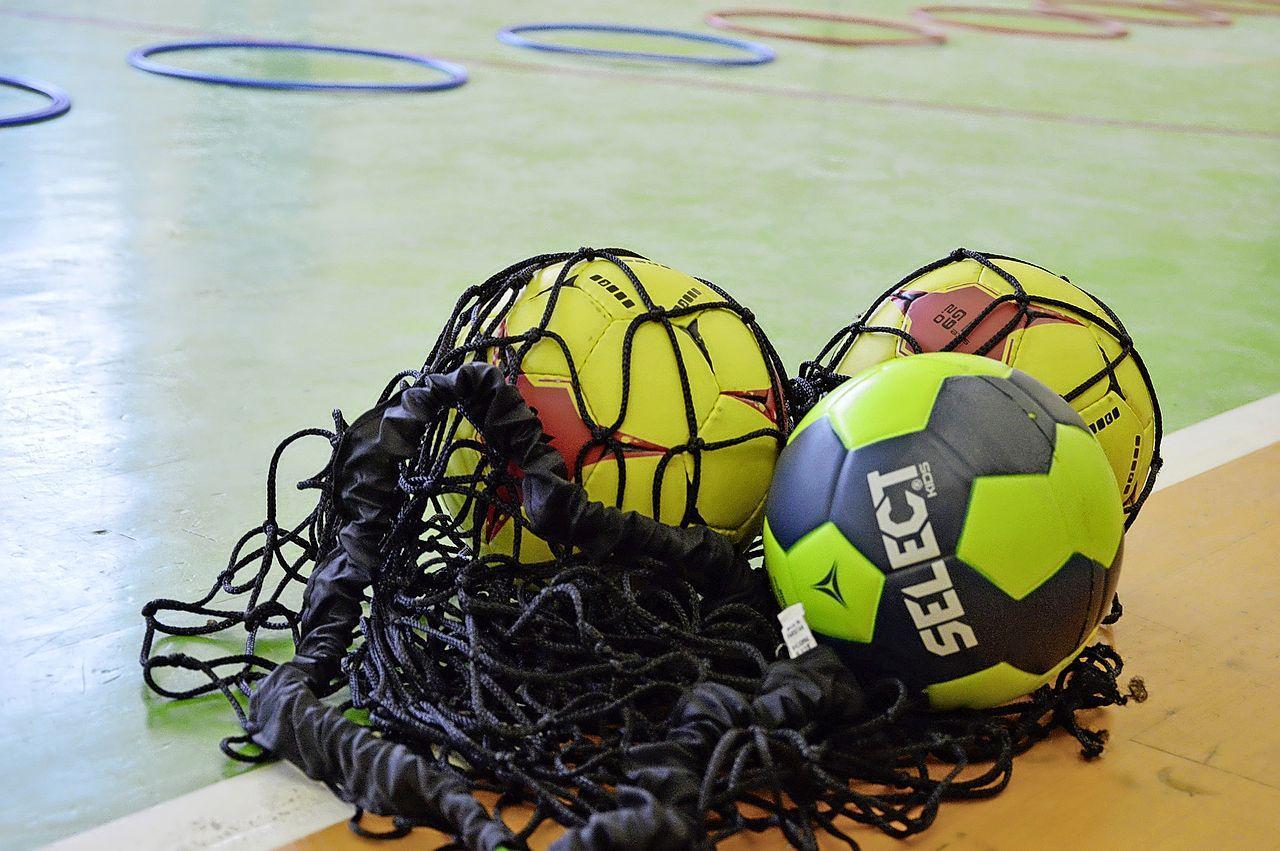 Handballers Volendam hebben er na lange rit naar Zwartermeer in ieder geval weer een puntje bij