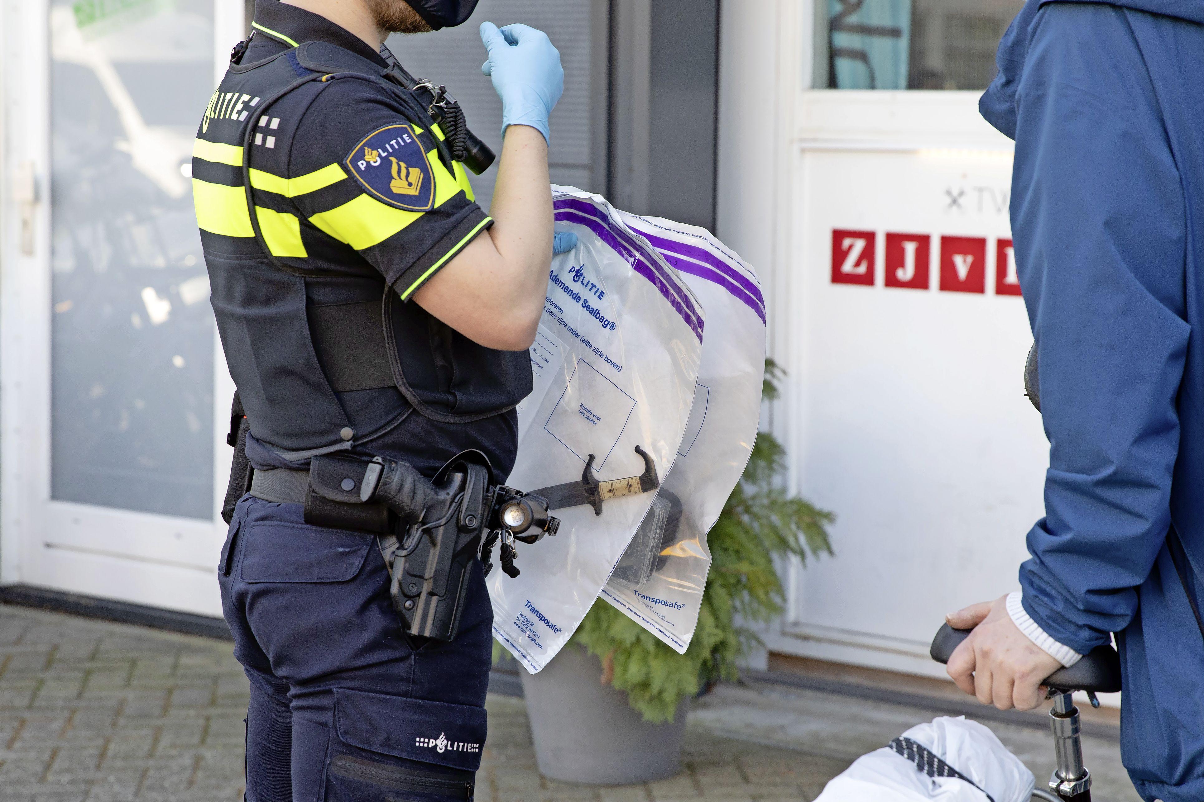 Burgemeester Metz sluit Soester fietsenwinkel voor een jaar na eerdere vondst illegale wapens en drugs; 'Bekendheid van het pand binnen het criminele circuit doorbreken'