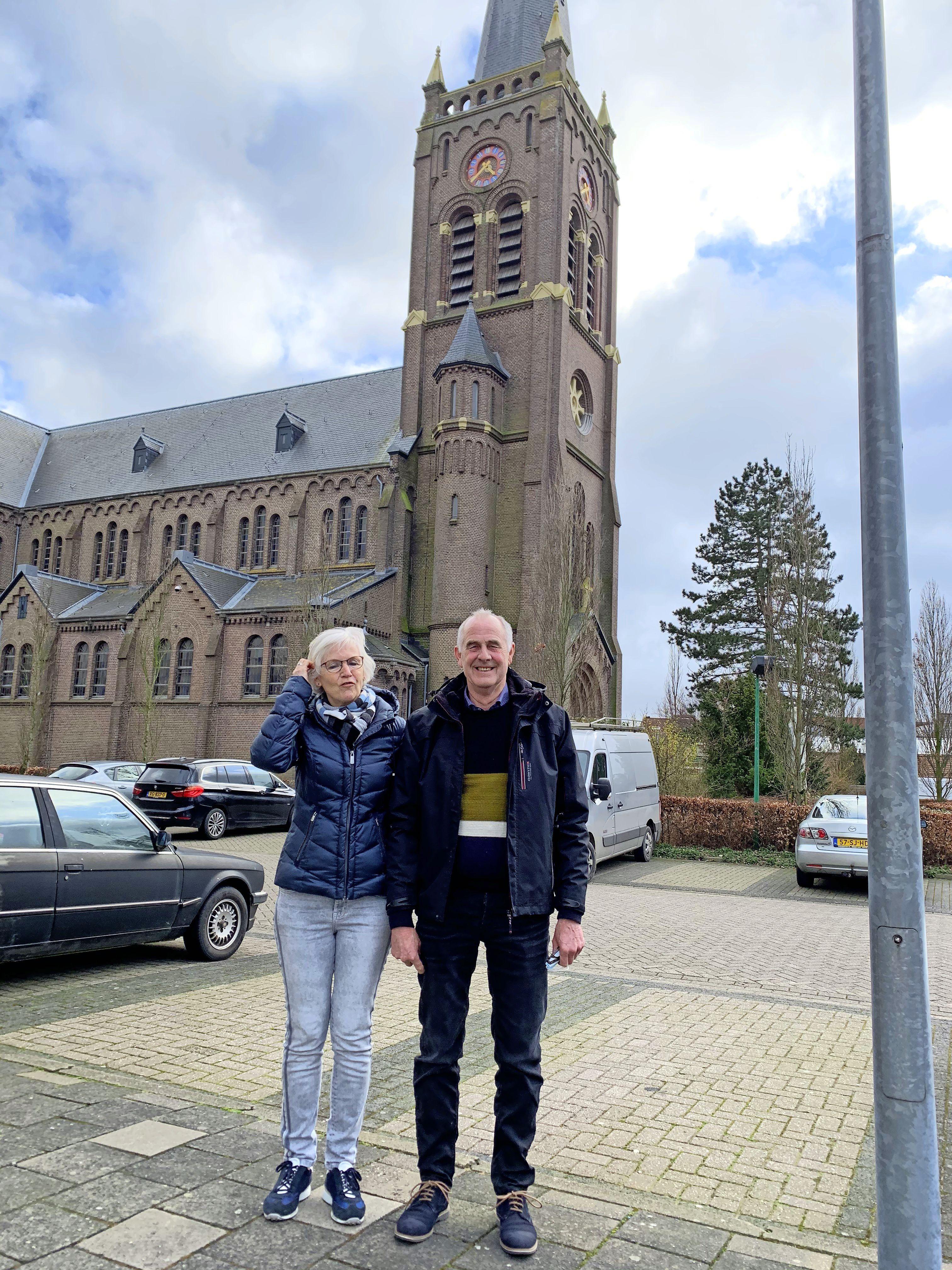 'Laat Rutte zijn karwei afmaken' zegt kiezer in Obdam. Groot vertrouwen in premier die land door coronacrisis loodst