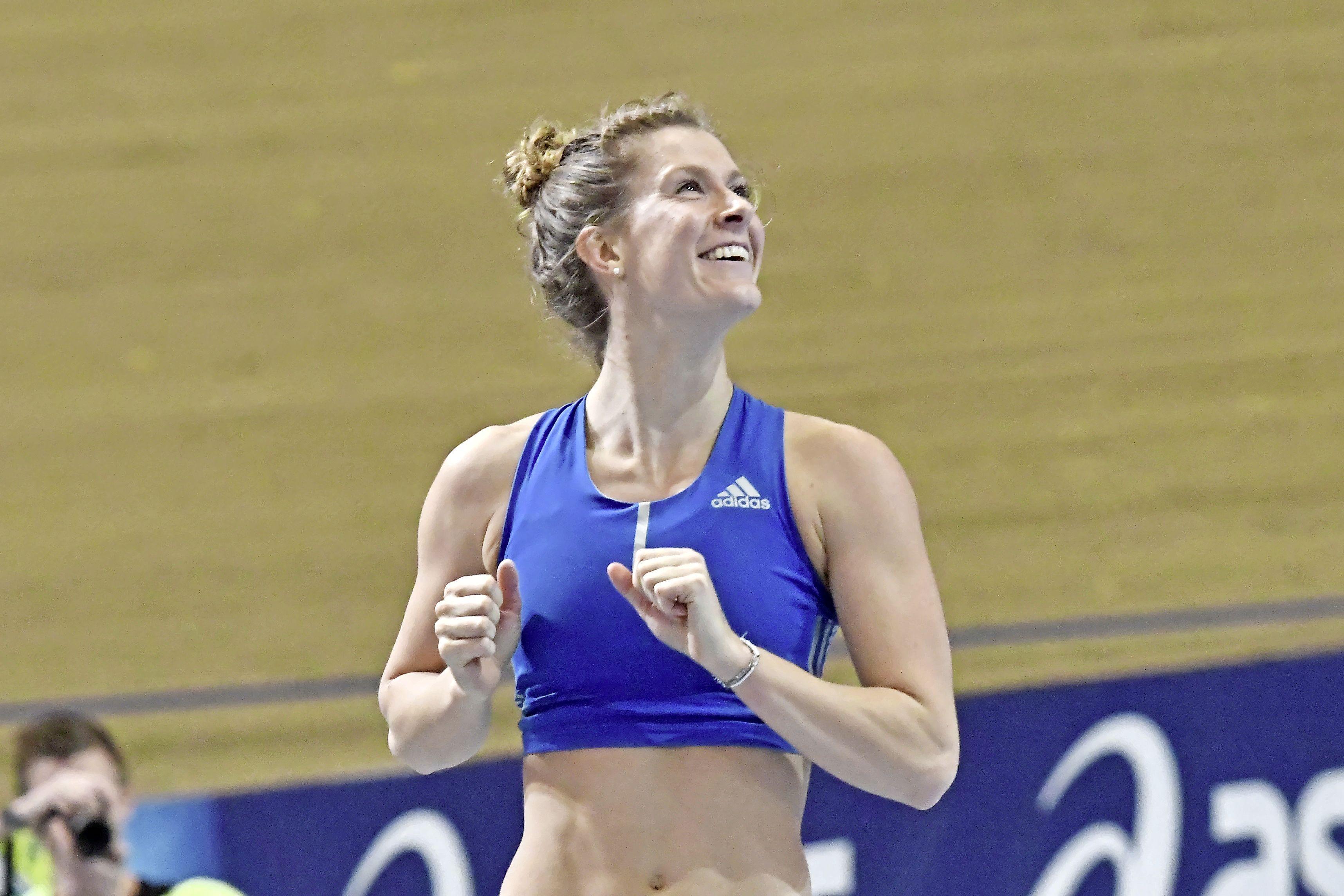 'Polsstokhoogspringen is geen ingewikkelde sport', zegt recordhoudster Femke Pluim. 'Je moet gewoon over die lat, klaar'