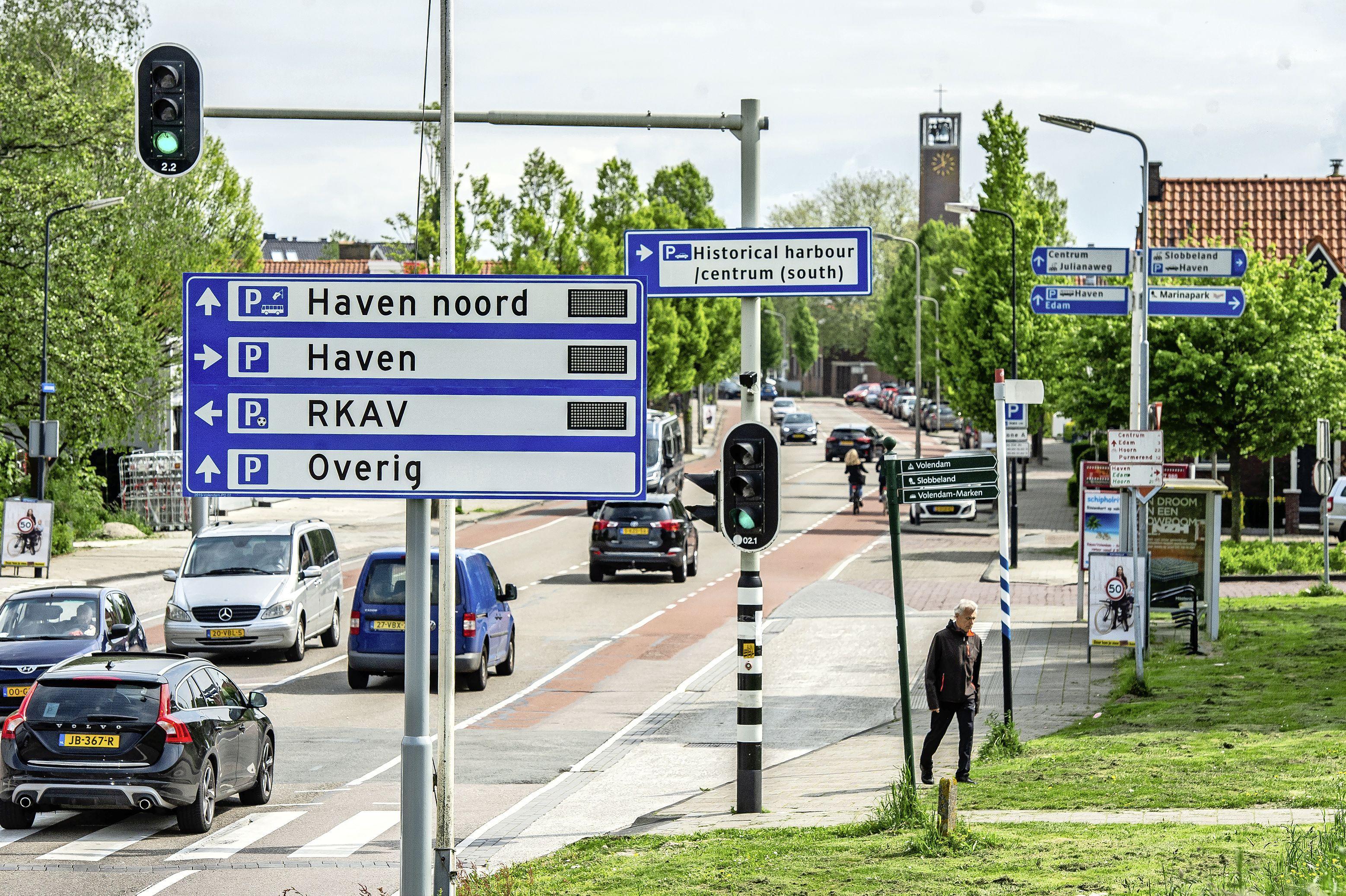 Bijna honderd bestuurders met te hoge snelheid over de Volendamse Julianaweg