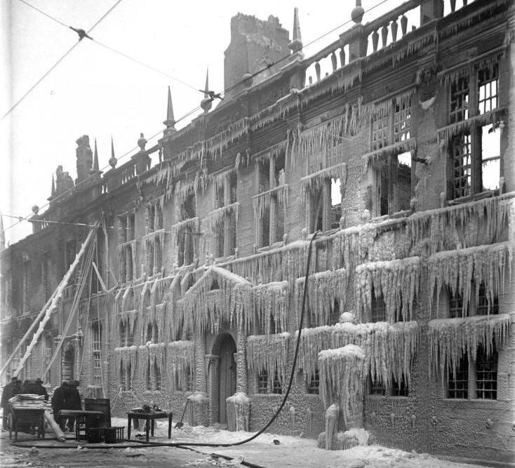 Bewegend Verleden: De grote brand in het stadhuis van Leiden, 1929 [video]