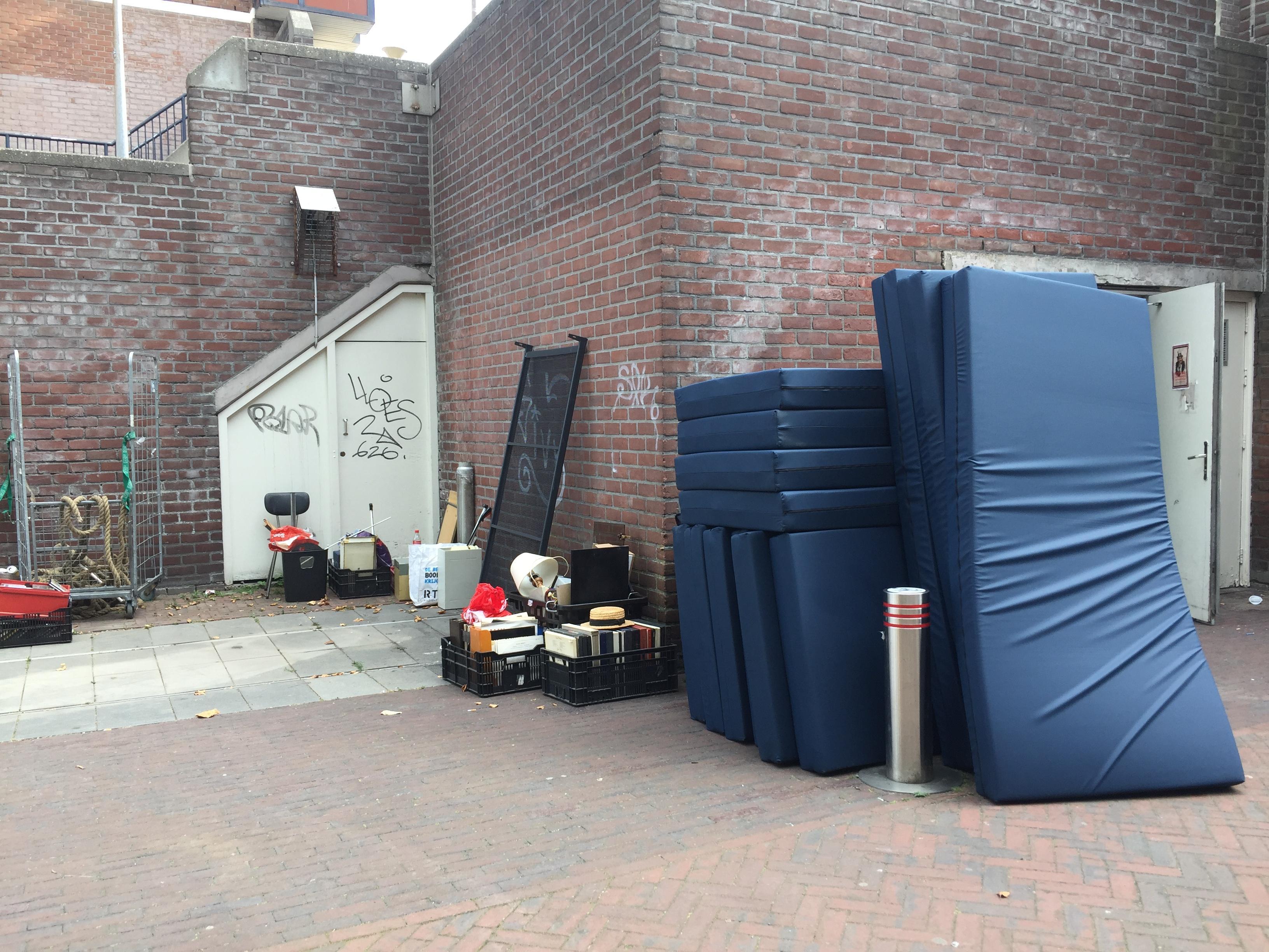 Daklozen maken plaats voor scholieren. Tijdelijke dak- en thuislozenopvang Beijneshal sluit de deuren