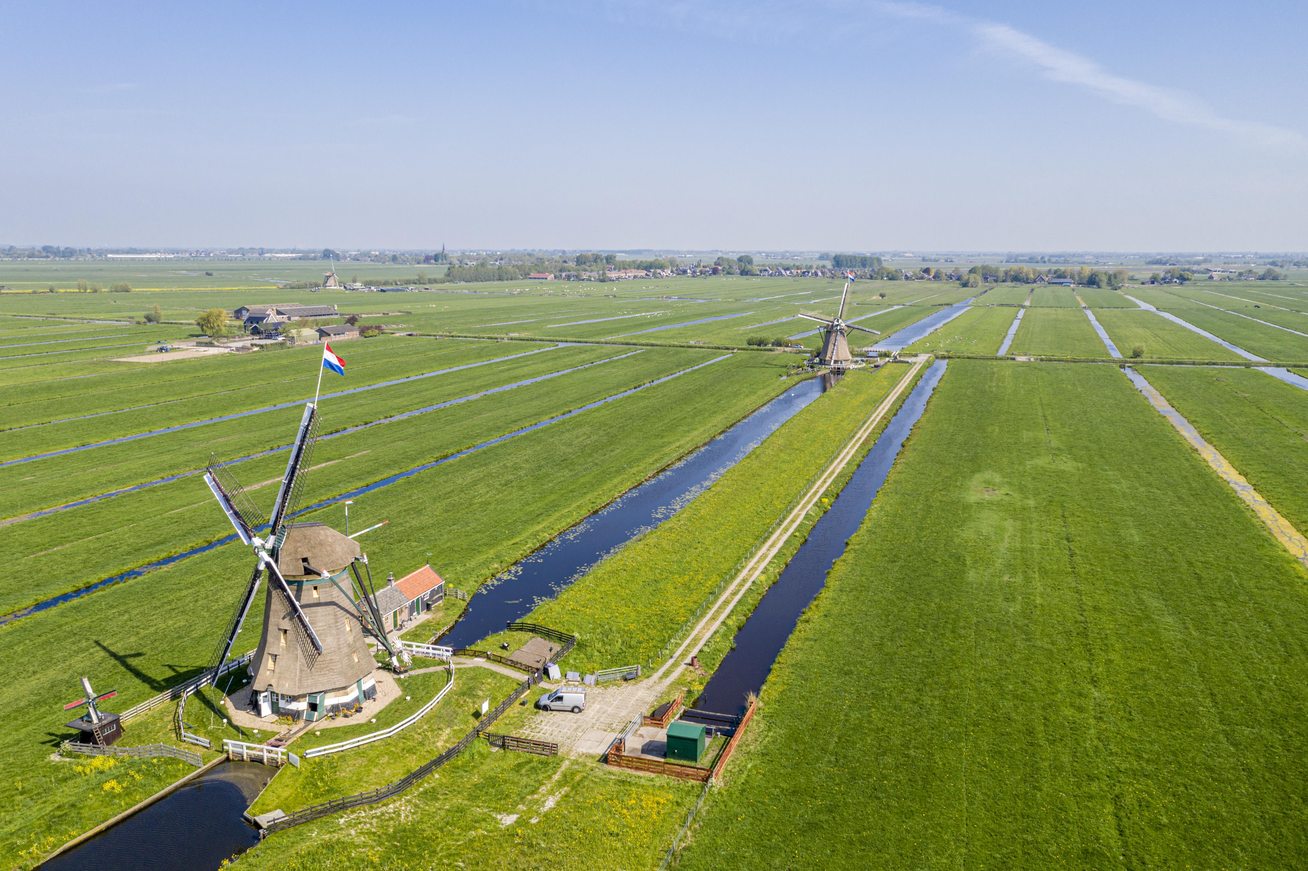 Aarlanderveen vreest de komst van 'torenhoge windmolens' in polders rondom het dorp