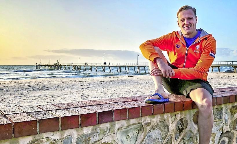 Olympisch kampioen Ferry Weertman vindt op Curaçao vergelijkbare condities met Tokio: 'Het is heel erg wennen aan de hitte en hoge luchtvochtigheid'