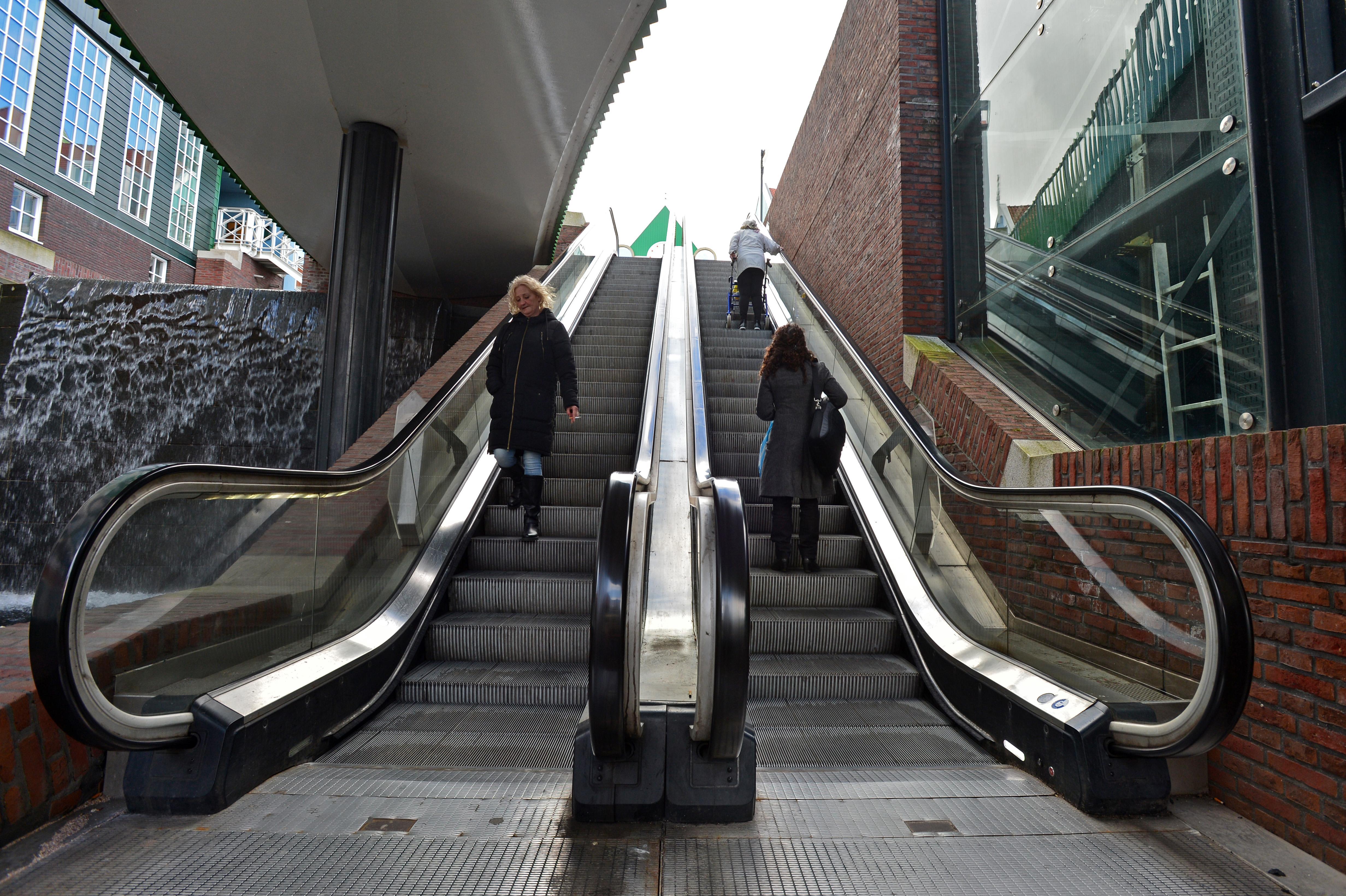 Het is weer zo ver in Zaandam: geen lift en ook geen roltrap
