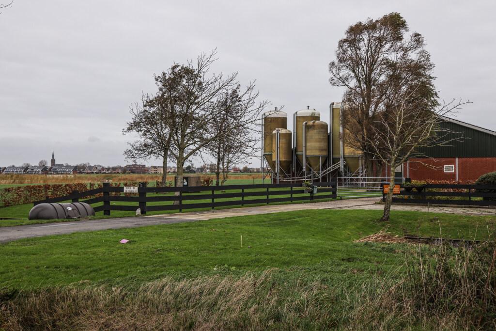 Woningbouw en varkensstal in Obdam. Dat geeft gemor en geknor