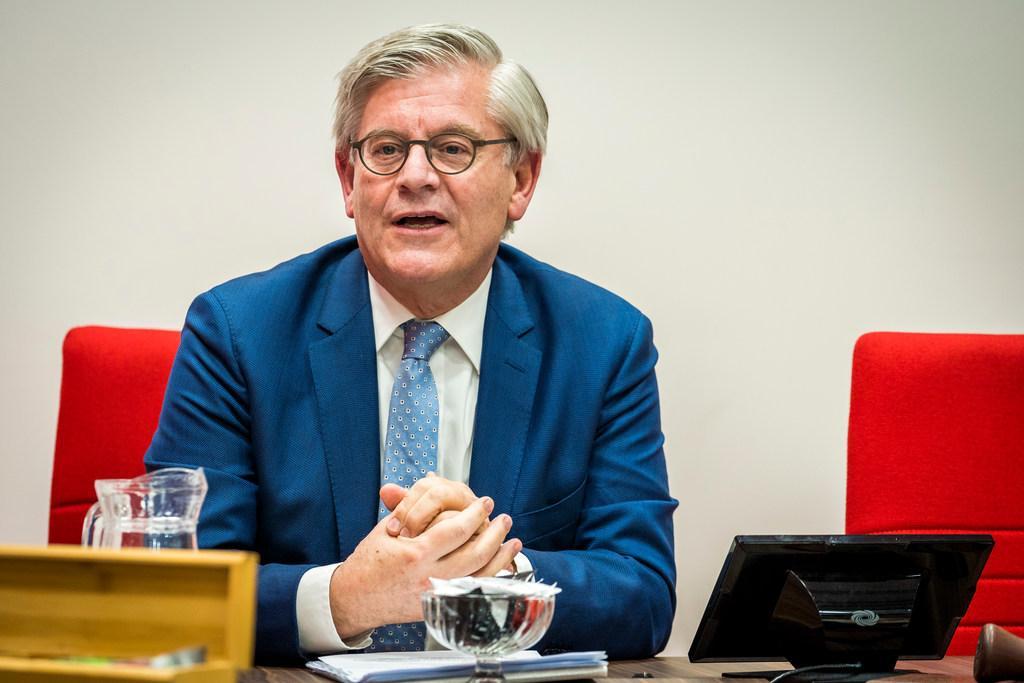 Waarnemend burgemeester van Hilversum Charlie Aptroot heeft er zin in: 'Dacht eigenlijk de zomer door te brengen in ons huis in Friesland' [update]