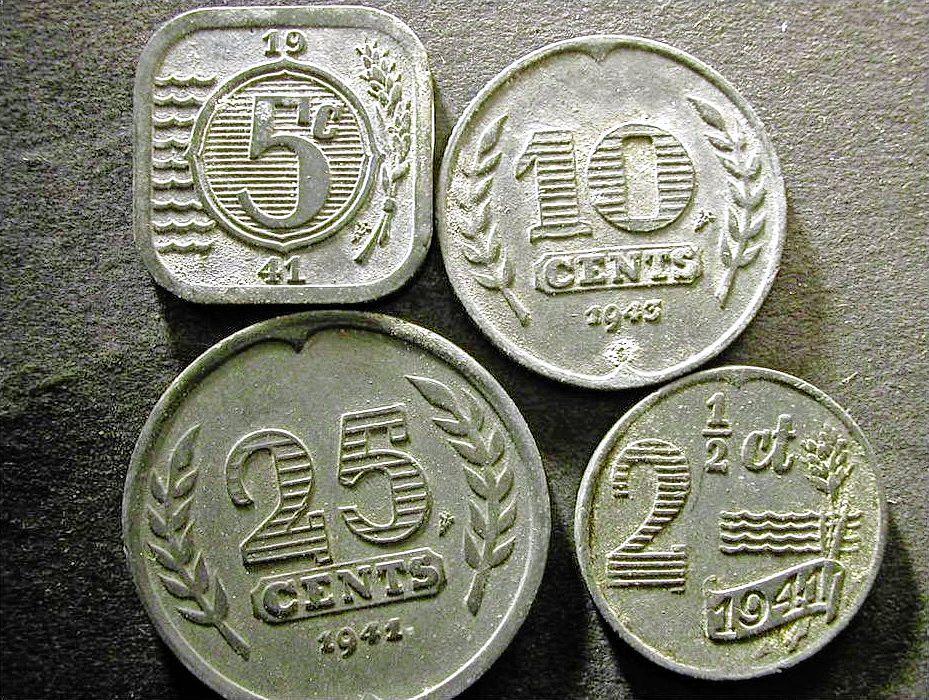 Hoe het Duitse zinken geld het Hollandse zilvergeld verving   Uit beeld