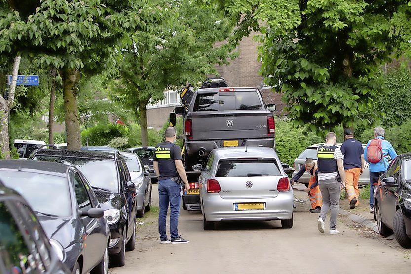 Politie valt woningen binnen in onder meer Hilversum, Laren en Soesterberg. Grote actie tegen ondermijning en hennepkwekerijen. Zes verdachten aangehouden [update]
