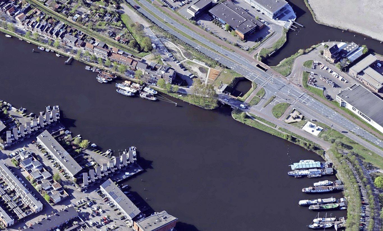 Watersportvereniging Bruynzeel kan naar de Voorzaan: drijvende steigers voor maximaal tien jaar
