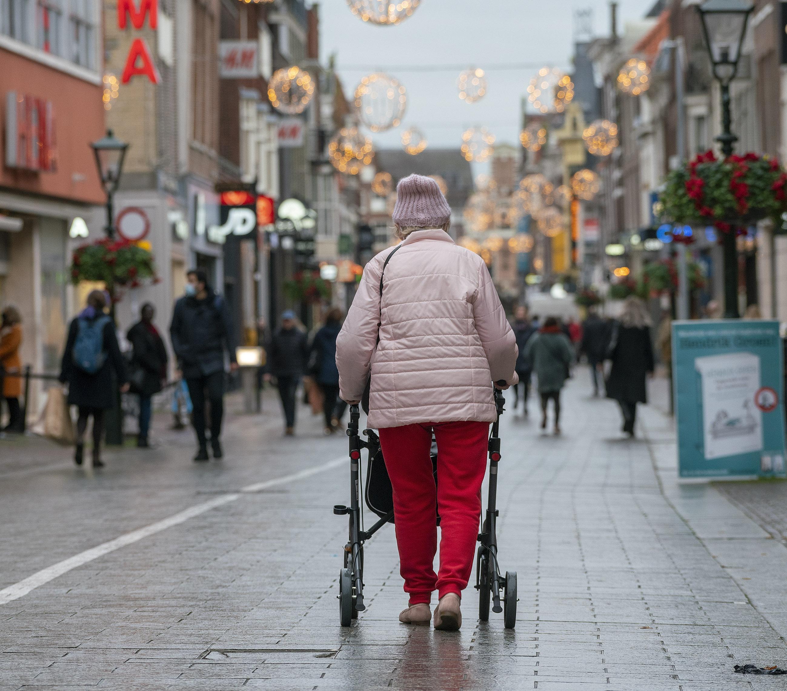 'Alkmaar verzamelt gegevens burgers via wifi-tracking en dat mag niet', zeggen de Autoriteit Persoonsgegevens, Privacy First en Bits of Freedom