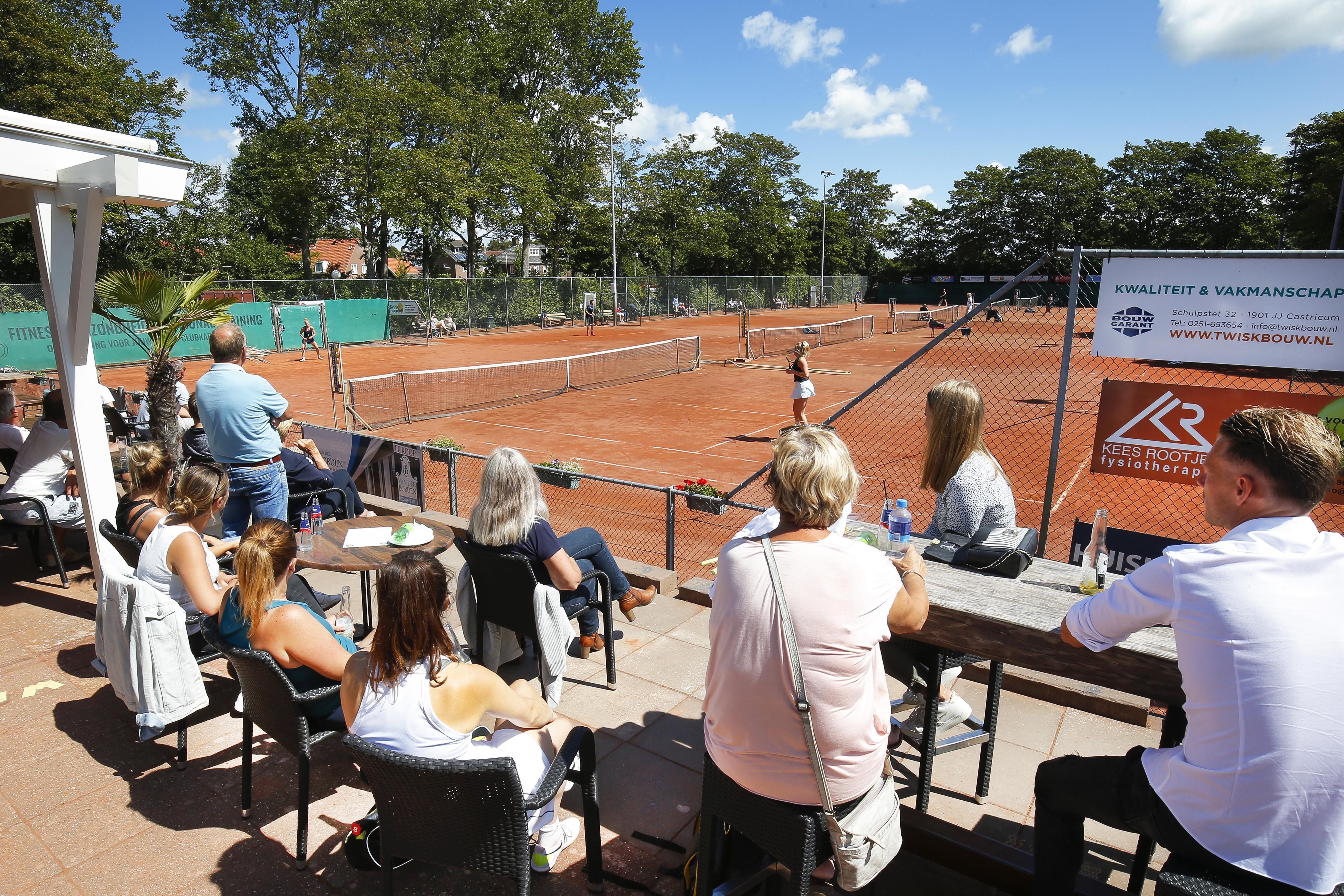 Ingelast enkeltournooi TC Bakkum trekt ruim 200 deelnemers en krijgt jeugdige winnaars in hoogste categorie