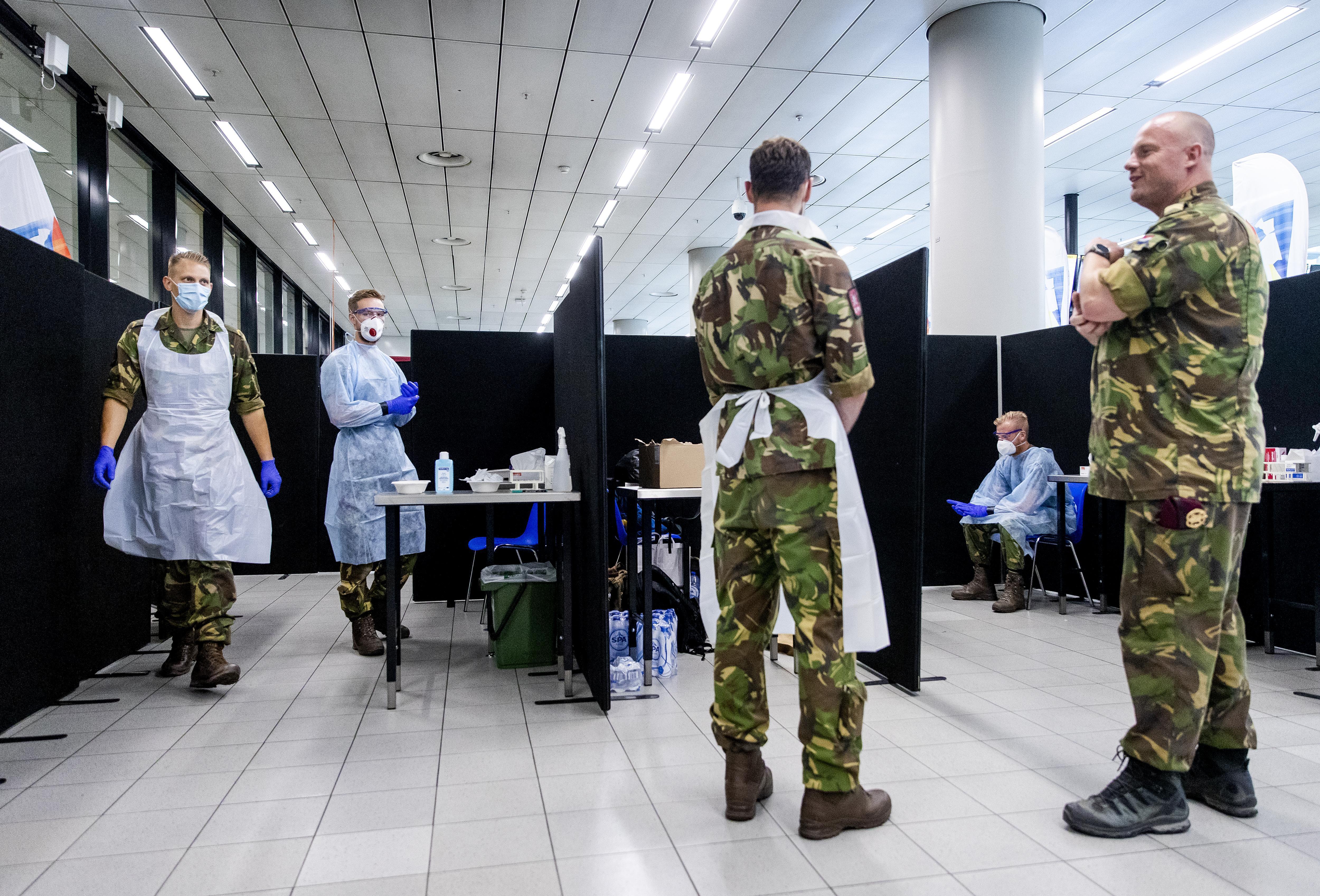 Schiphol eist meer coronatesten voor reizigers uit landen met virushaarden