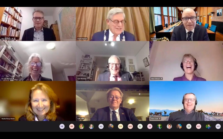 Voorschoten zwaait burgemeester Pauline Bouvy uit: warme woorden tijdens een afstandelijk online afscheid