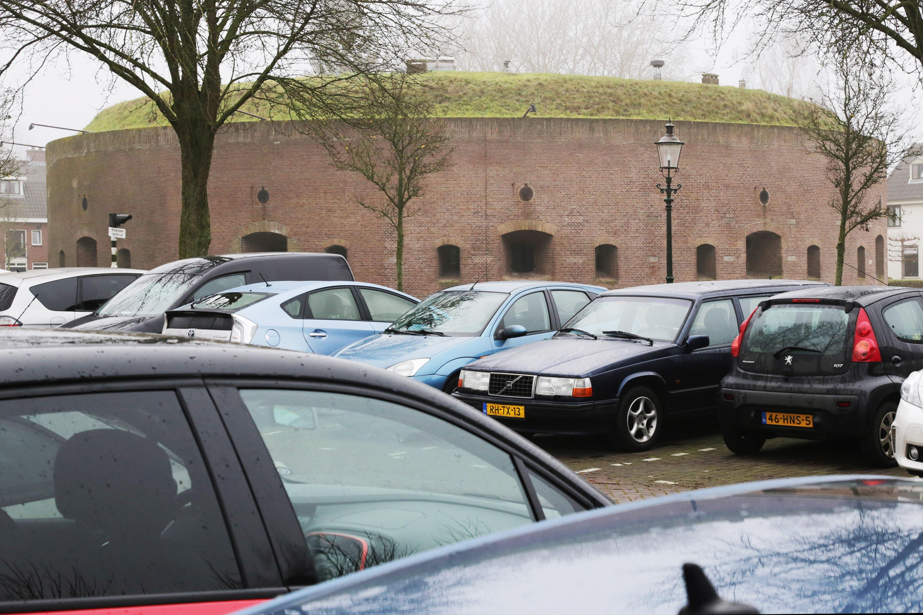 Weespers moeten in 2021 in groter deel van de stad betalen voor parkeren: monitoring is het toverwoord