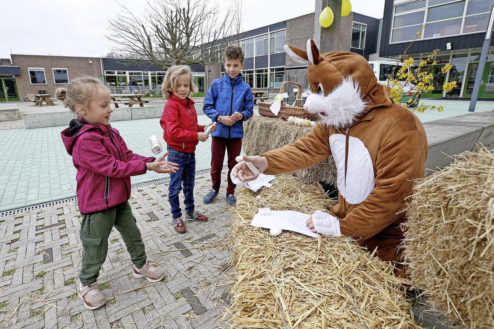 Lammetjes, kinderspelletjes en een chocoladehaasje bij het Clusius College Schagen