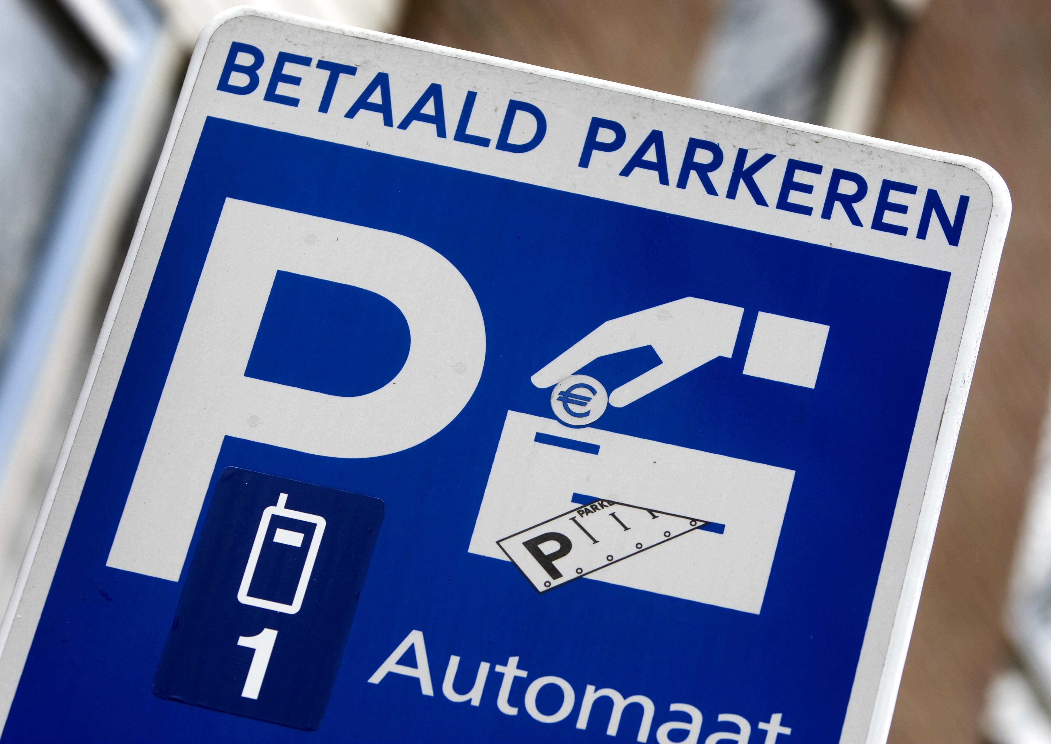 Wijziging parkeernormen gaat door, ondanks grote zorgen van centrumbewoners in Alphen aan den Rijn