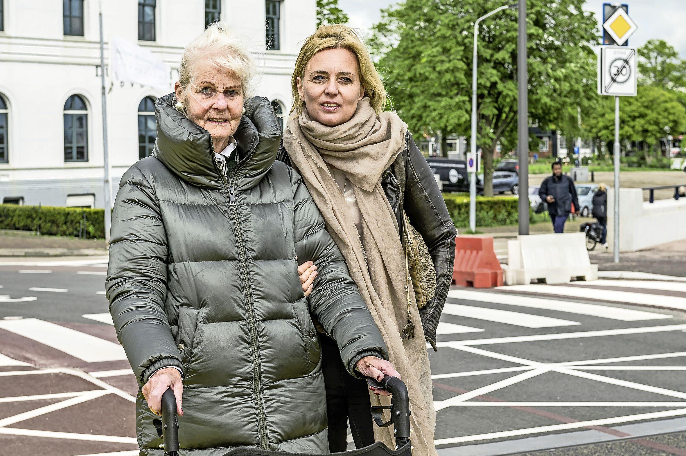 Getuige zag dat 78-jarige Zaandamse viel over de opstaande rand in de Wilheminabrug en advocaat vindt gemeente aansprakelijk