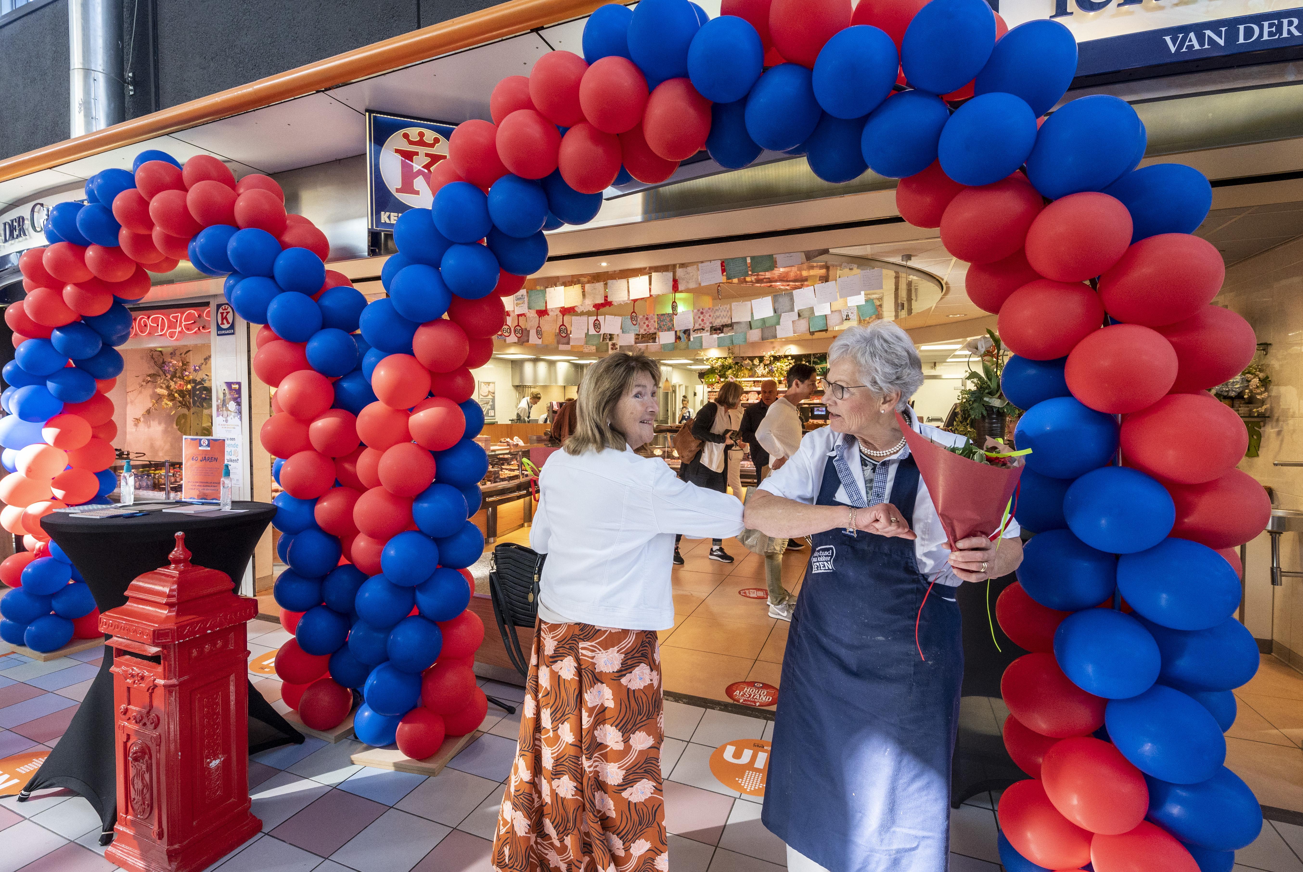 Na zestig jaar neemt 81-jarige slagersvrouw Corrie uit Bennebroek afscheid van het vak: 'Gourmetten? Wat is dat?'