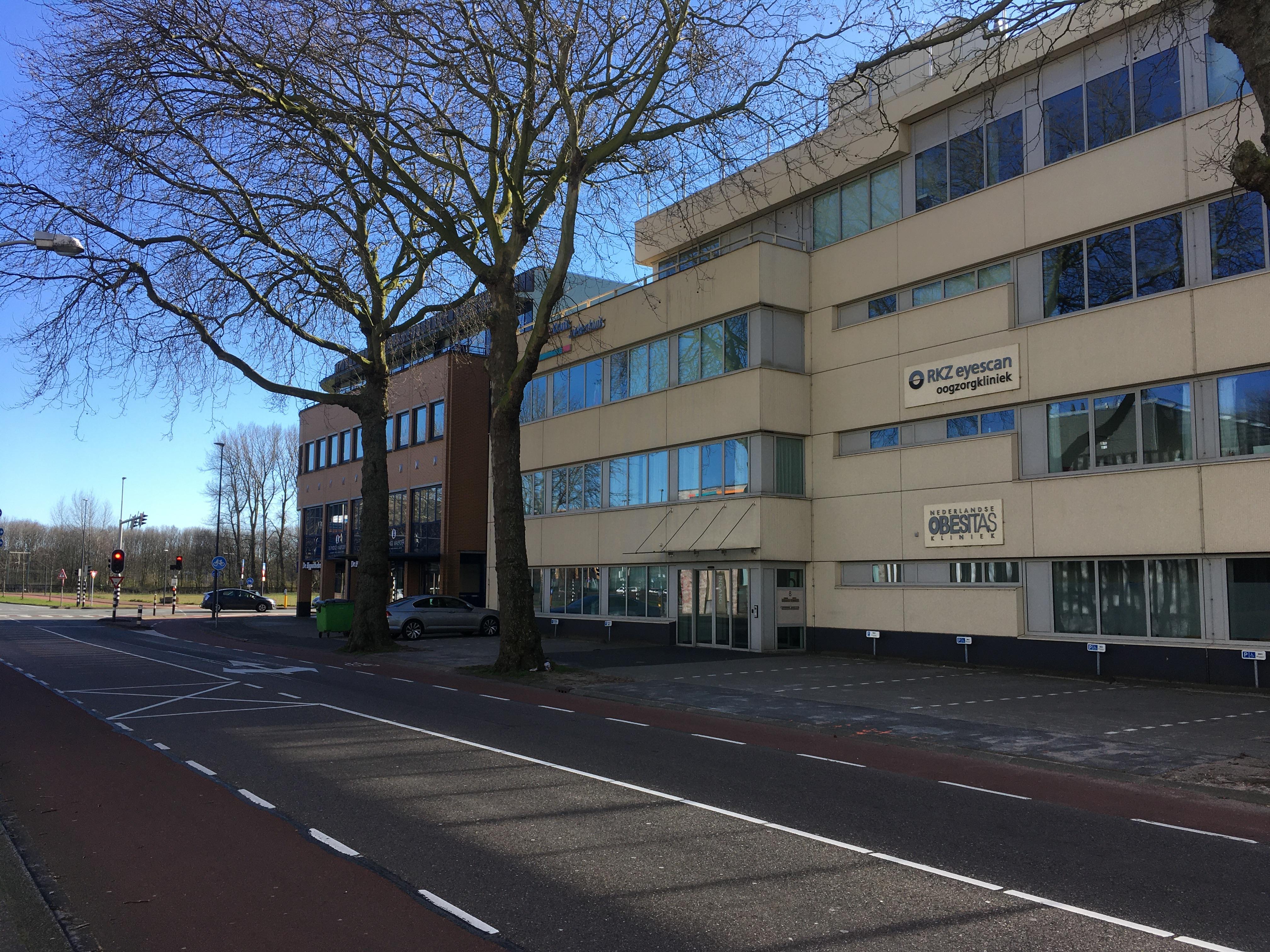 Aparte 'Coronapost' bij huisartsenpost in Beverwijk naast Rode Kruis Ziekenhuis