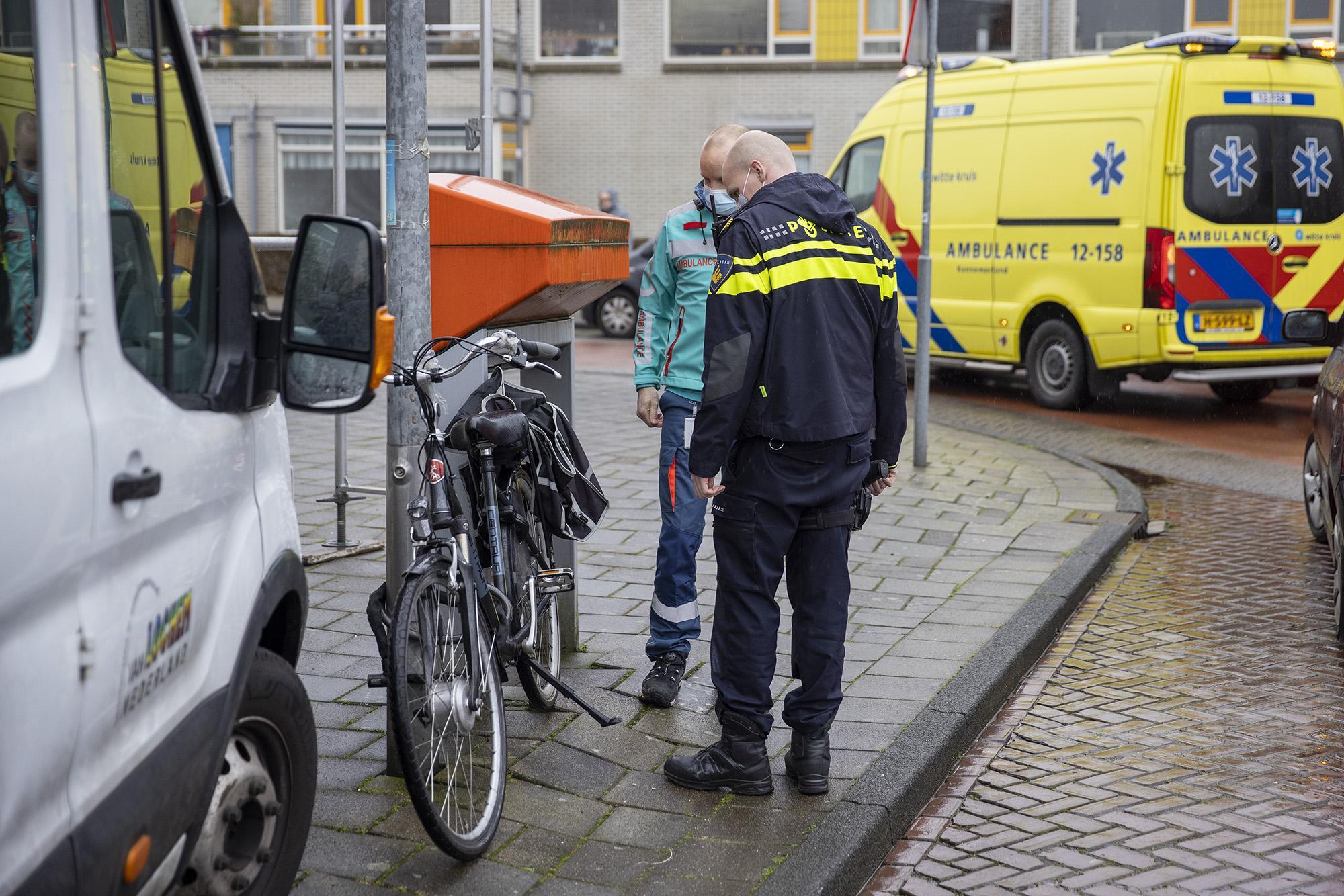 Fietser raakt gewond na botsing met bedrijfsbusje in Haarlem