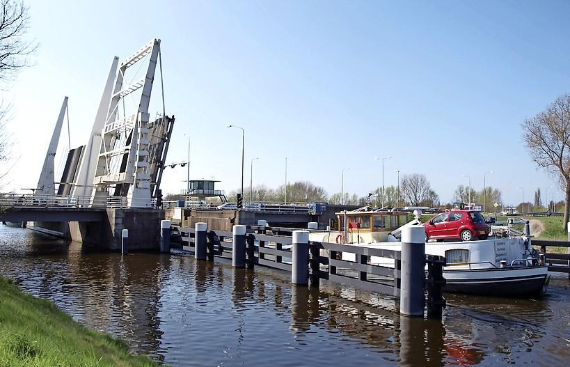 Provincie regelt vervangen Cruquiusbruggen
