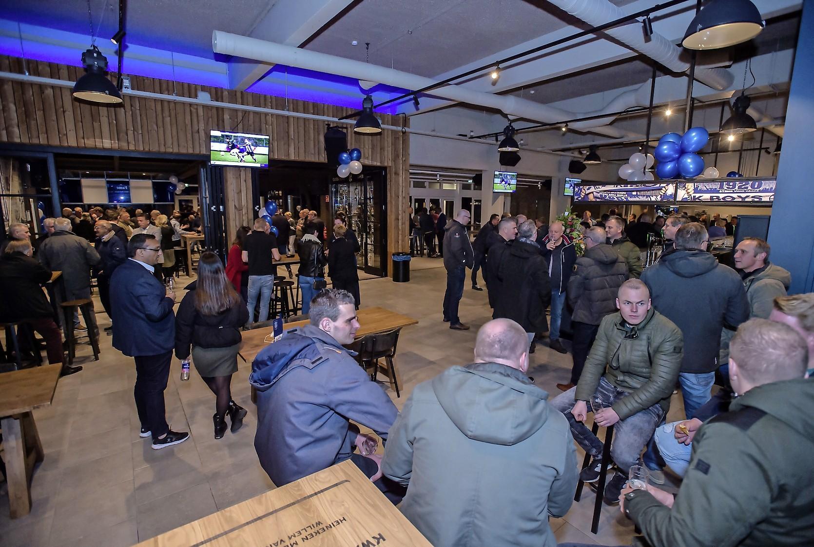 Gemeente Katwijk stuurt veel kiezers naar andere stembus: zestien ruimere alternatieven vanwege coronaprotocollen