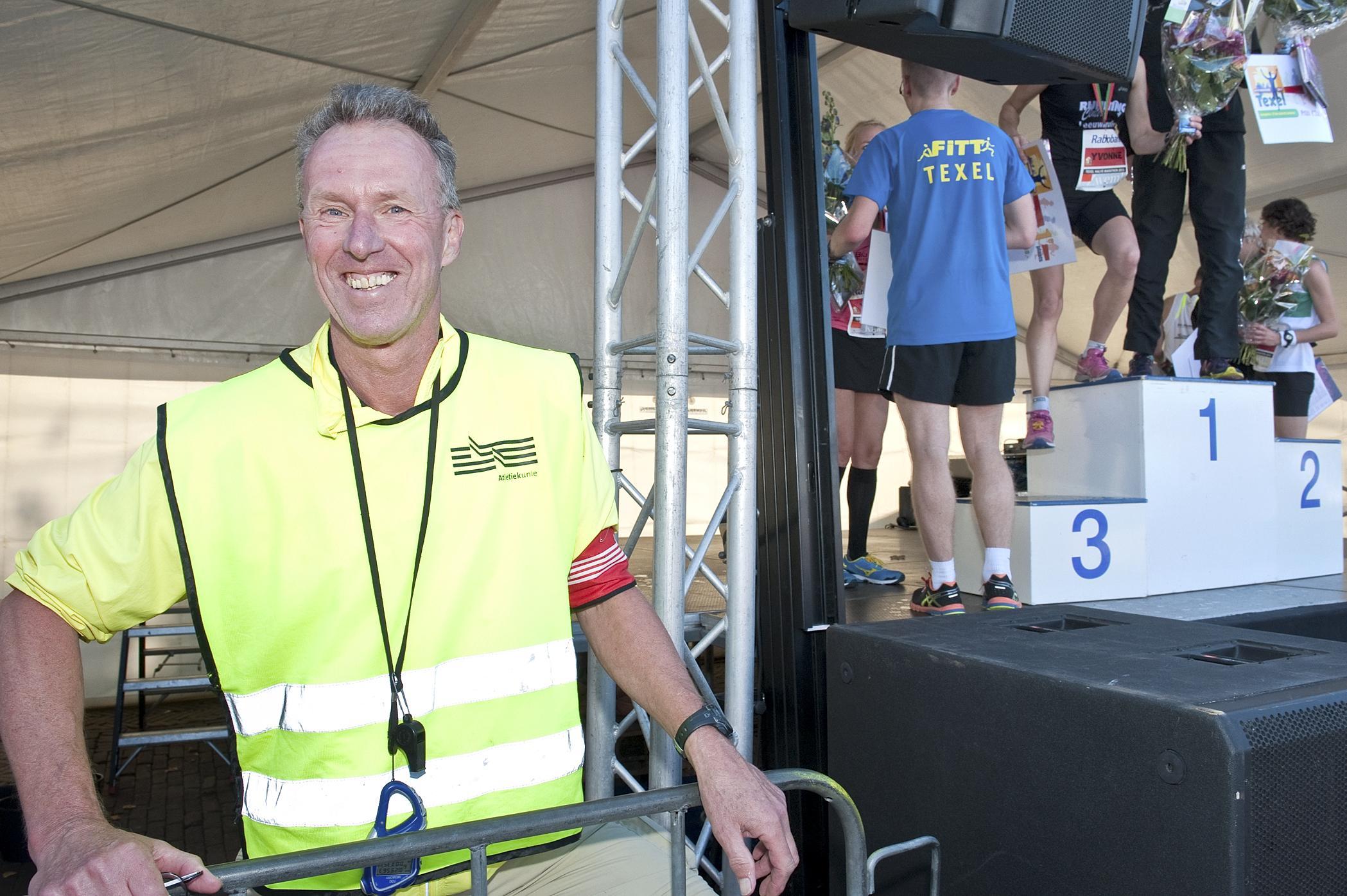 Dick van der Weide leefde voor de (atletiek)sport. Met zijn overlijden verliest de sportwereld in gehele provincie een bevlogen aanjager van het hardlopen