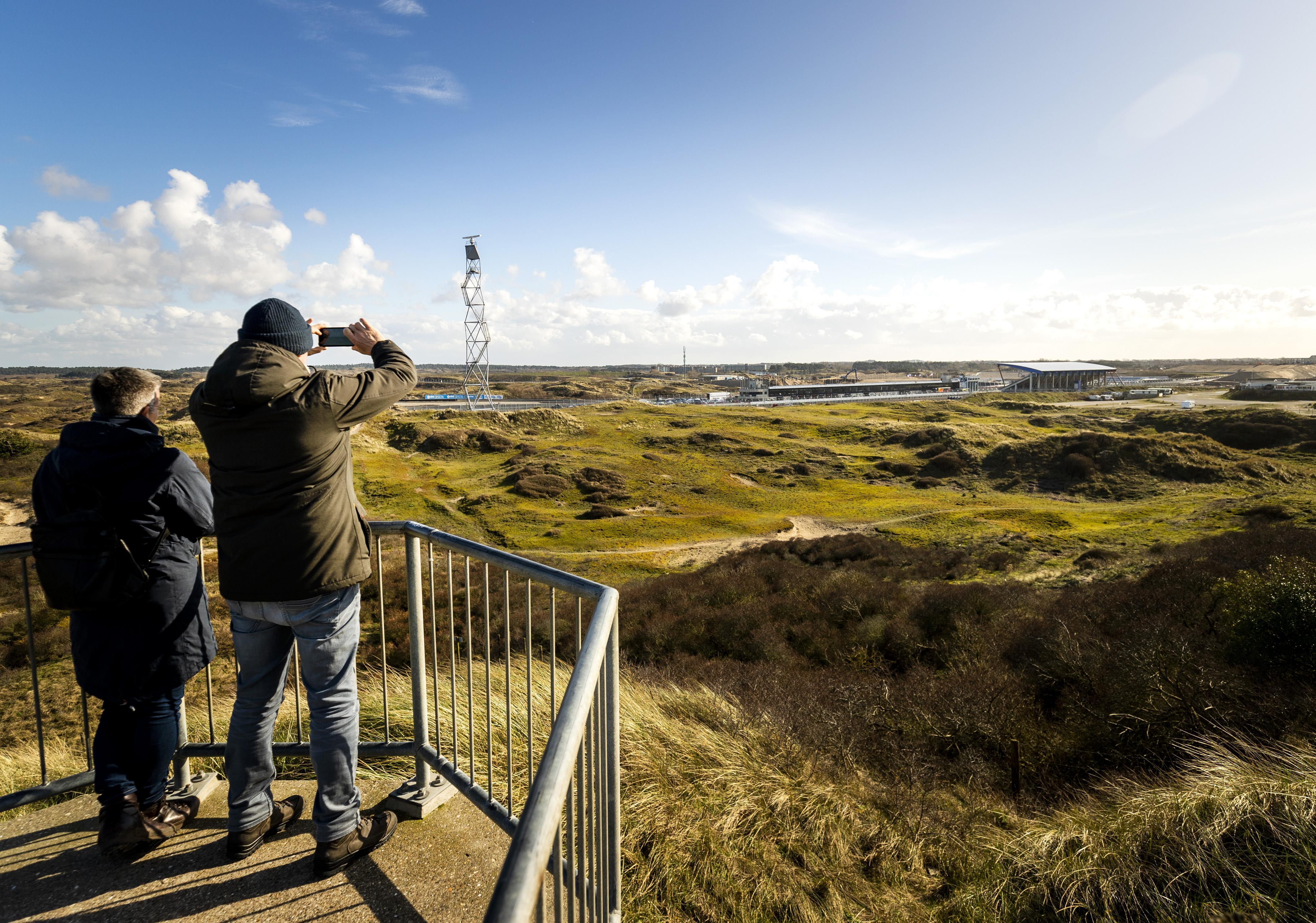 Kennemerduinen in top 5 Lawaaiigste Stiltegebieden van Nederland: radiootje mag niet, raceauto wel