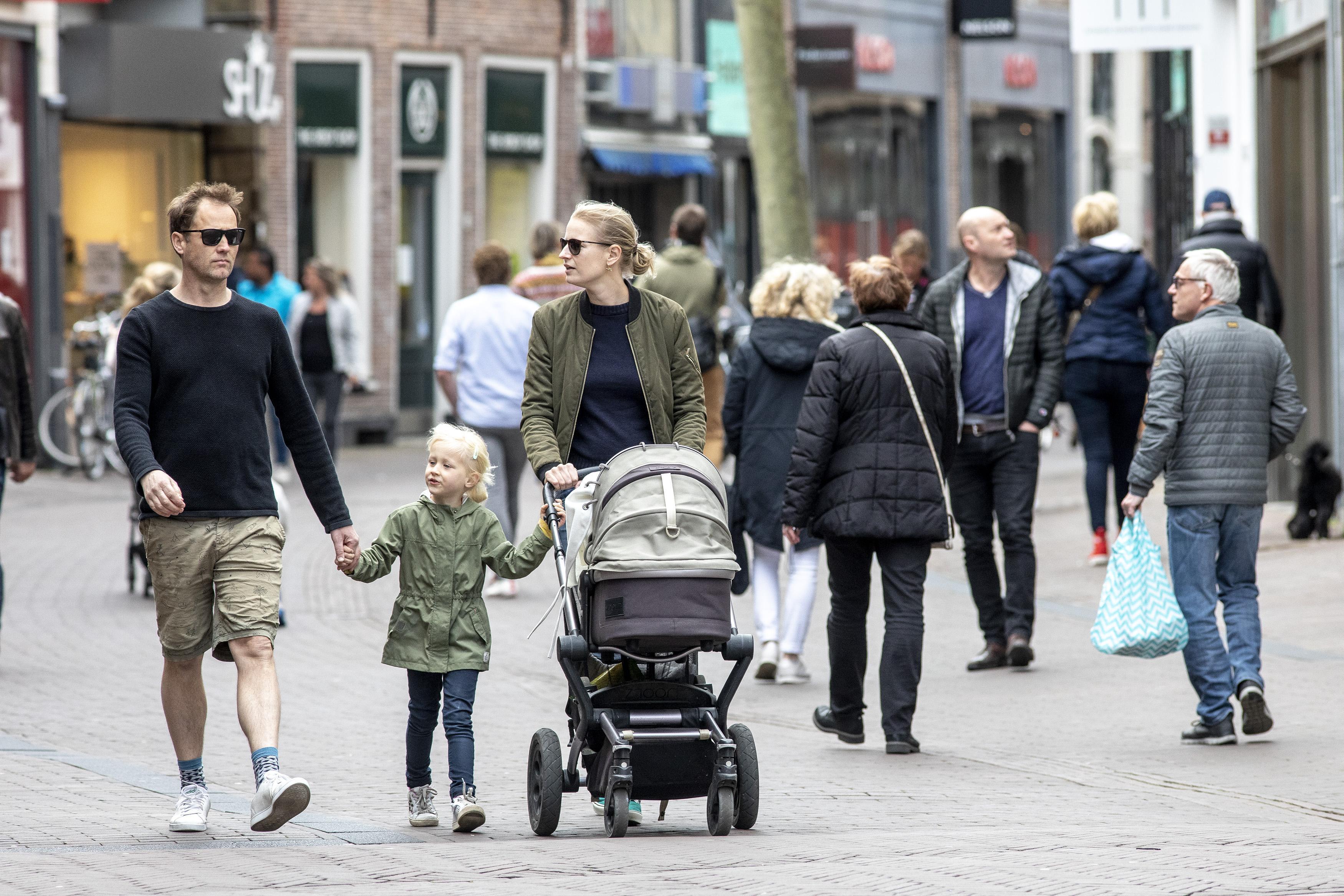 Haarlem komt met actieplan om horeca en winkels te helpen: 'Koop in de stad, en niet bij Bol.com'