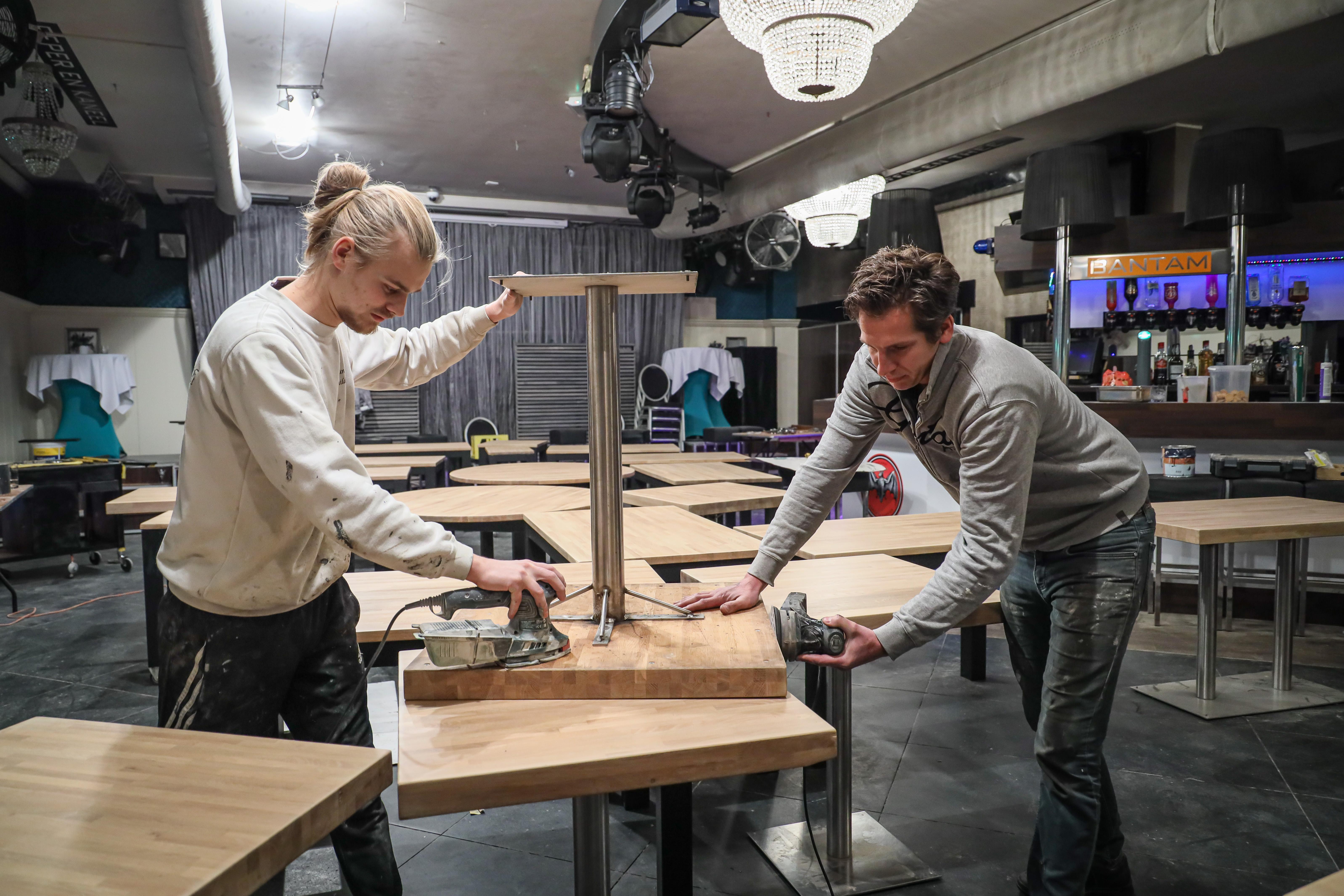 Zijn restaurants zijn dicht, maar Pieter Krijnzen weigert stil te gaan zitten: 'Dan knappen we alles meteen op'