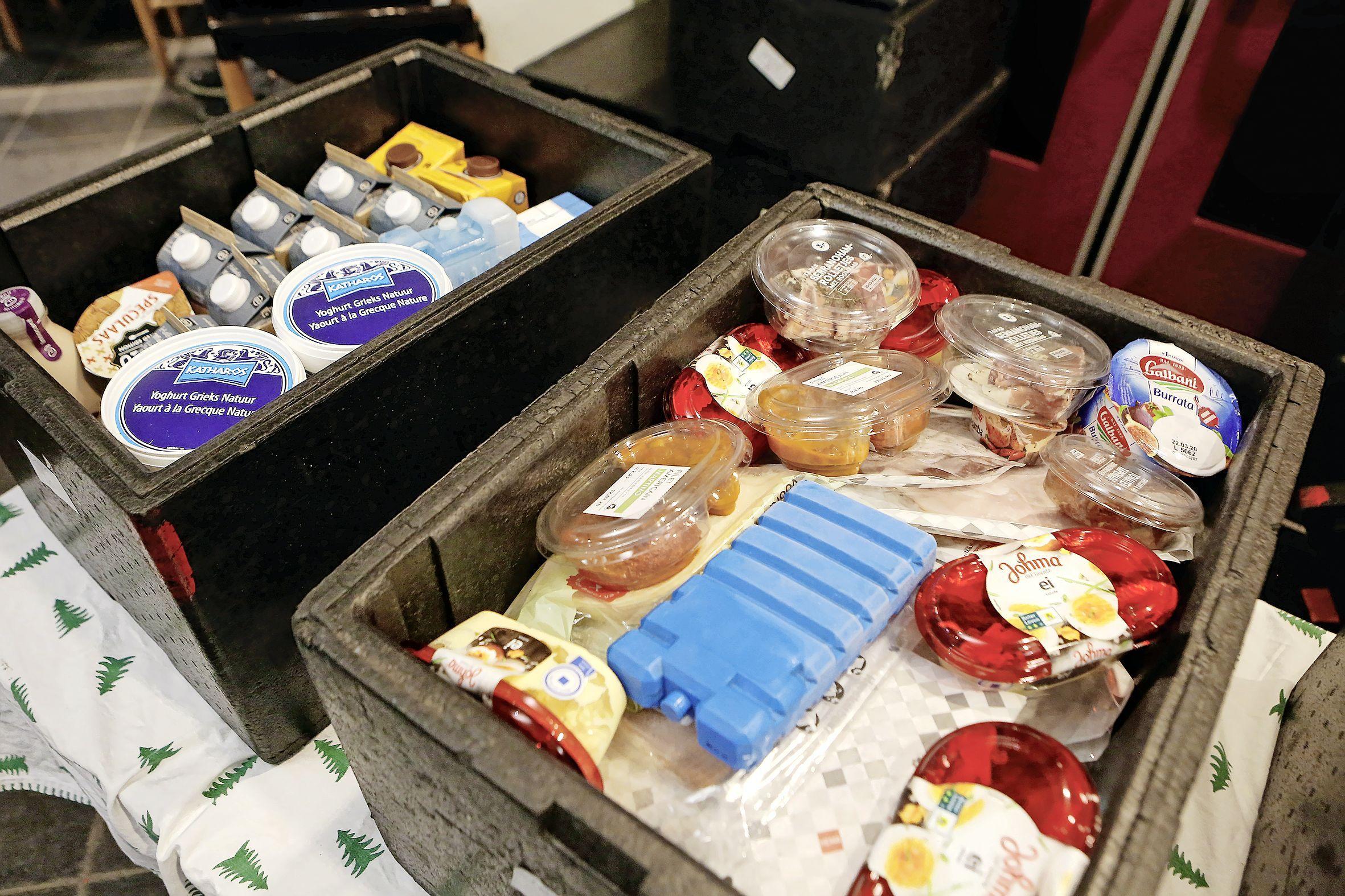 'Vol schaamte en met tranen in hun ogen in de rij voor een voedselpakket'; Gooise Voedselbank noteert forse stijging van het aantal cliënten: 'Deels veroorzaakt door corona'