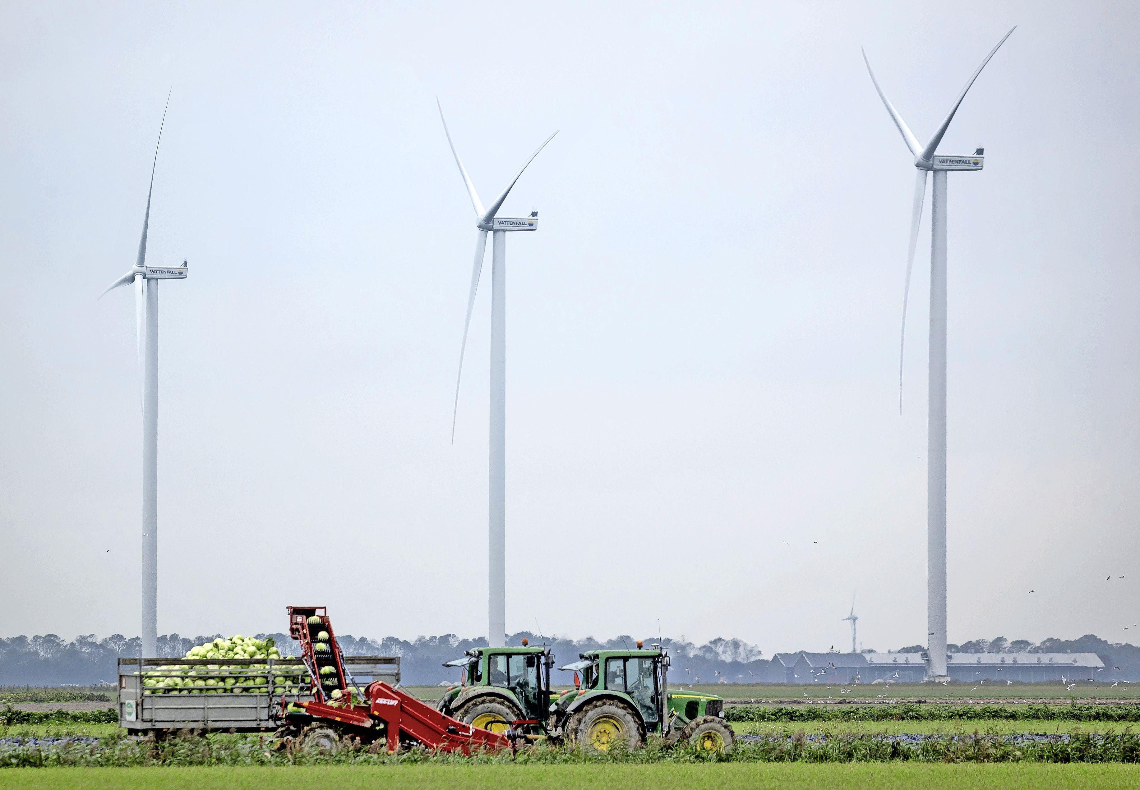 'Windturbines in de Eempolder? Dat nooit!' Petitie binnen no-time ruim 1200 keer getekend, tot verrassing van initiatiefnemers; 'We wisten dat veel mensen tegen zijn, maar dit hadden we niet verwacht'