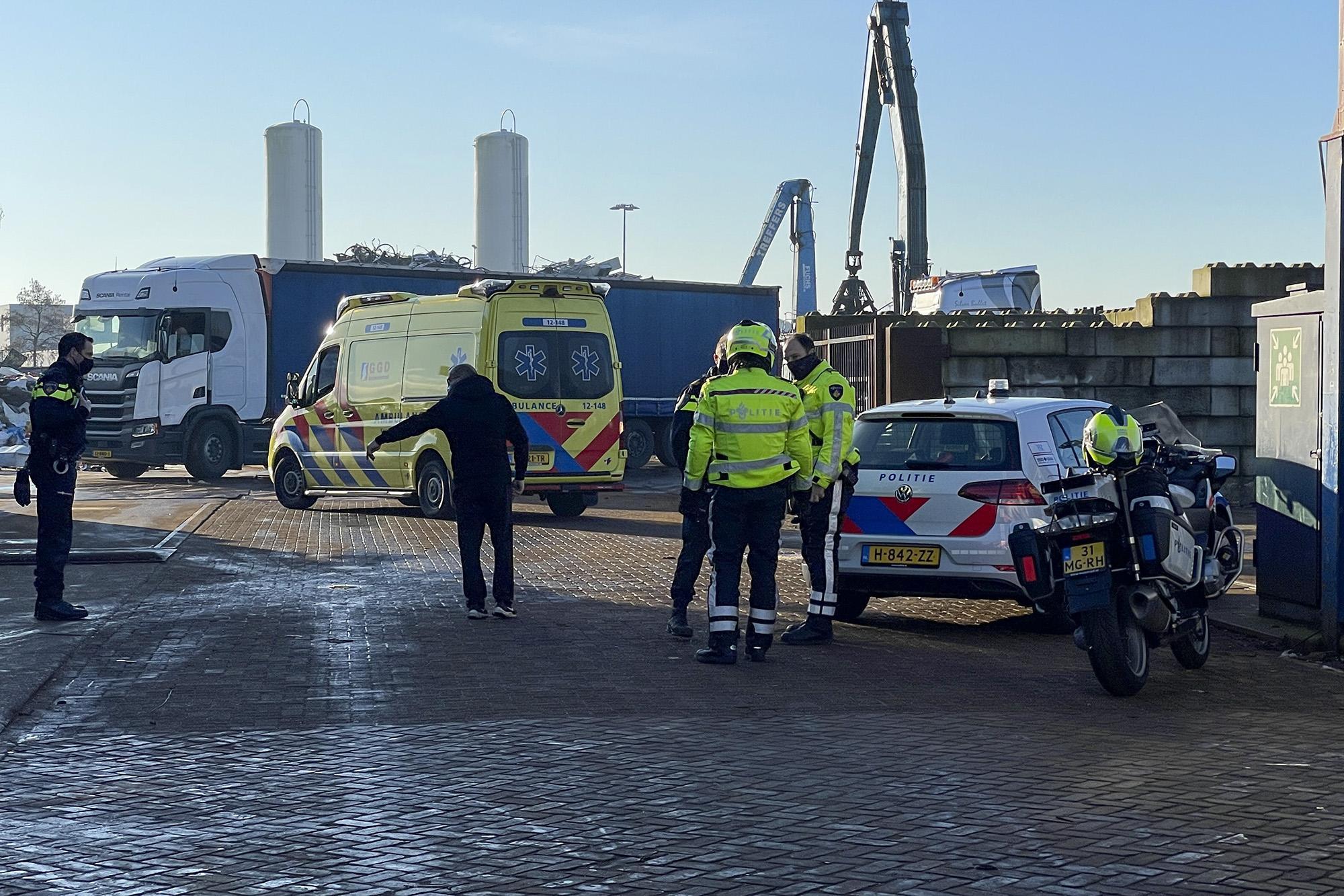 Man raakt gewond op bedrijfsterrein in Haarlem na botsing met vorkheftruck