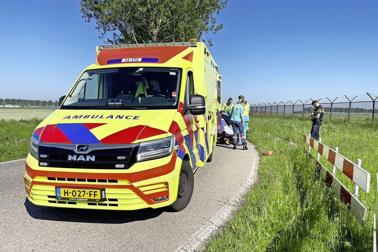 Scooterrijder gaat hard onderuit in bocht in Hoofddorp, blijkt bij controle geen rijbewijs te hebben