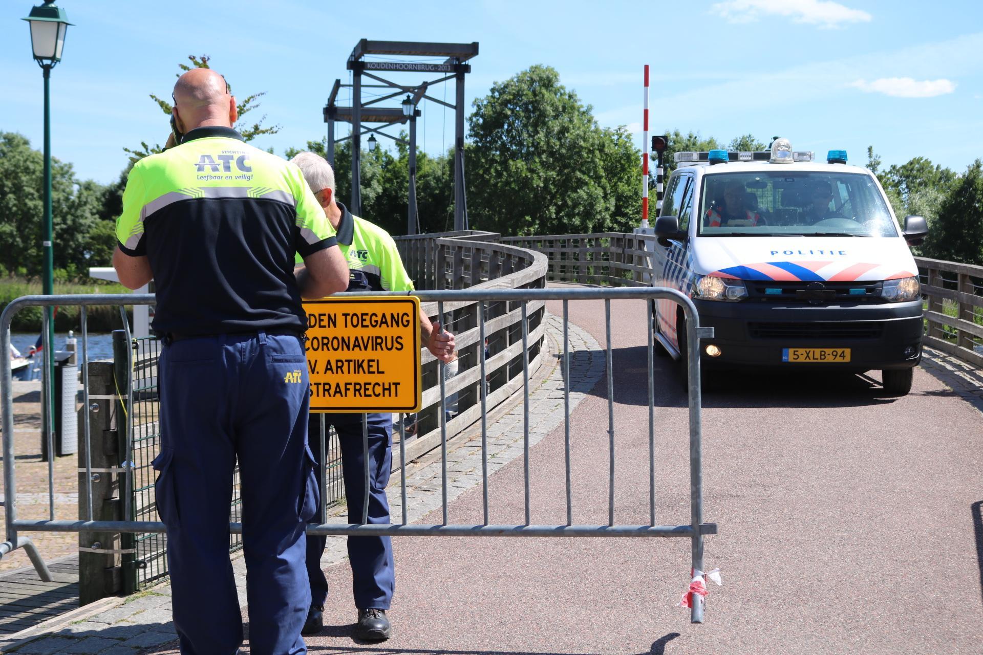 Eiland Koudenhoorn bij Warmond afgesloten wegens drukte