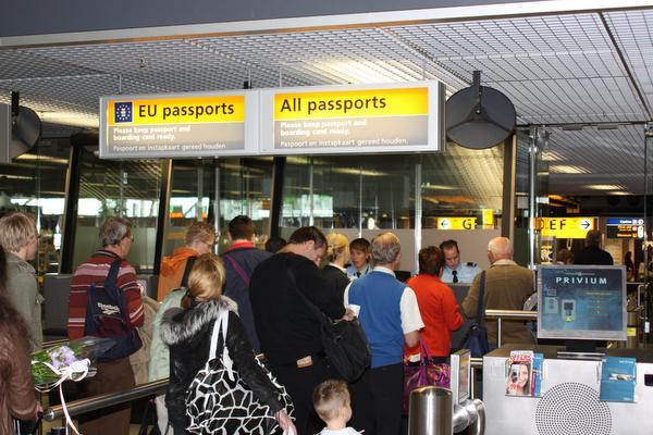 Reiziger op Schiphol blijkt nog vier jaar te moeten zitten