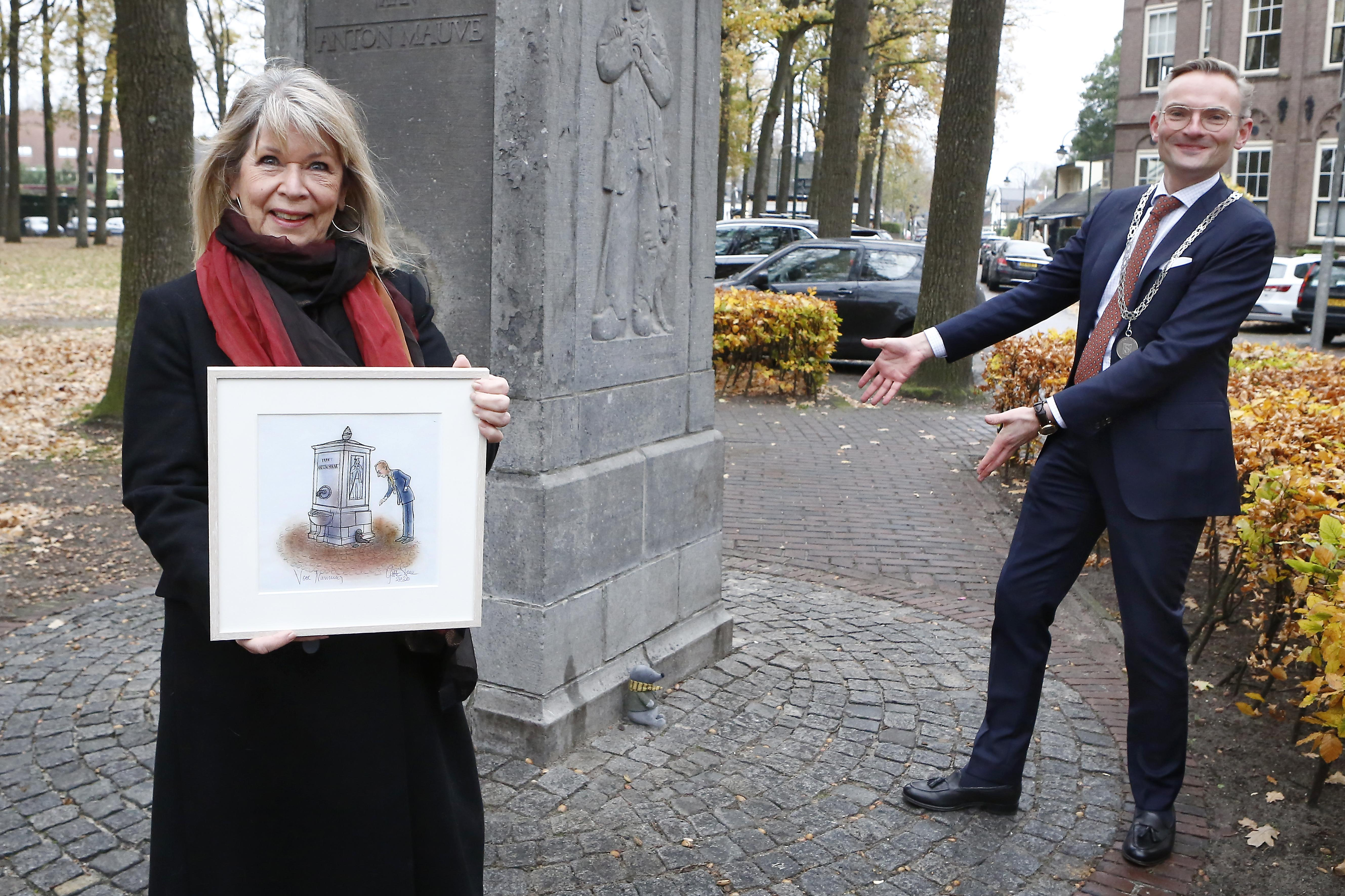 Larense Gitte Spee maakt nieuwe versie van kinderboek Aap en Mol in Laren en is daarmee nog lang niet klaar. 'Zonder tekenen word ik depressief. Ik blijf het doen zolang ik het kan'