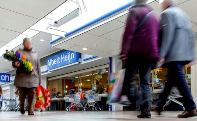 Protest tegen extra koopzondagen tijdens feestdagen in Alphen aan den Rijn heeft geen succes