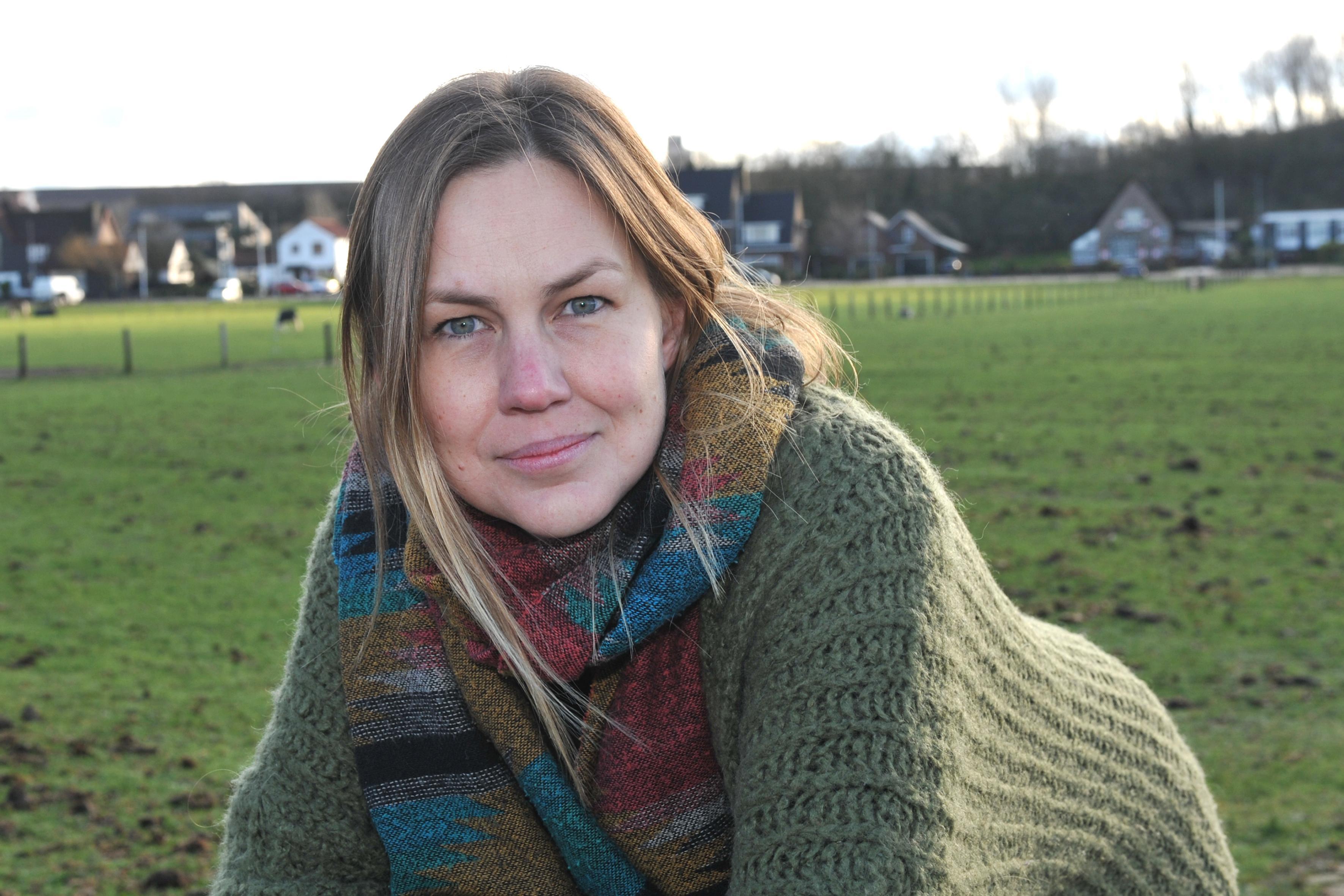 Gangmaker Annabel Aardenburg moet Dorpsplan van papier naar werkelijkheid laten bloeien. 'Samen voor nog leuker Wijk aan Zee' [video]