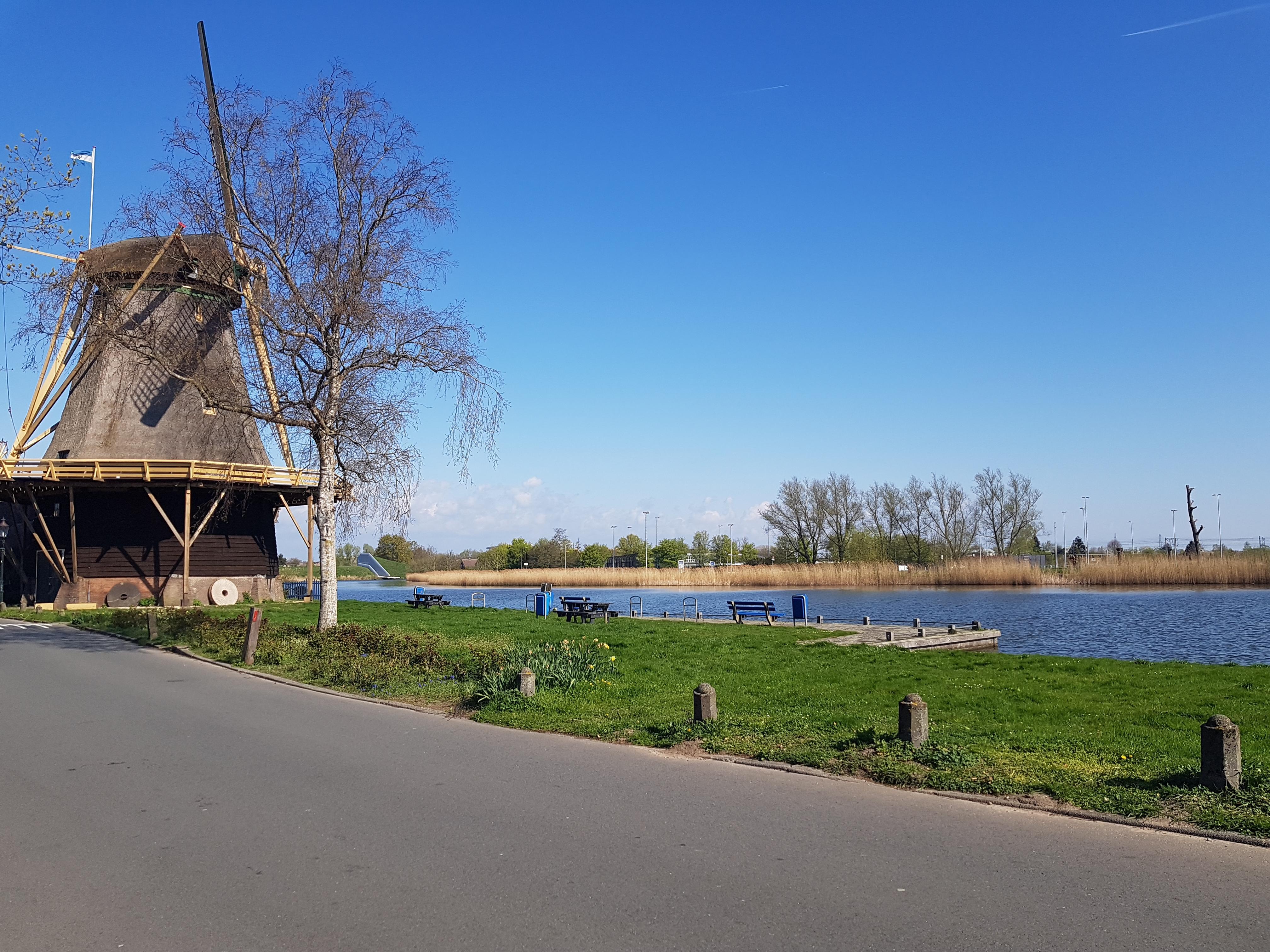 Prijsvraag in Weesp: 30.000 euro voor het idee dat de stad leuker maakt; inwoners kunnen stemmen op een nachtclub voor jongeren, een fitness-parkje, een écht cultureel centrum en witte verf om een brugdek af te koelen