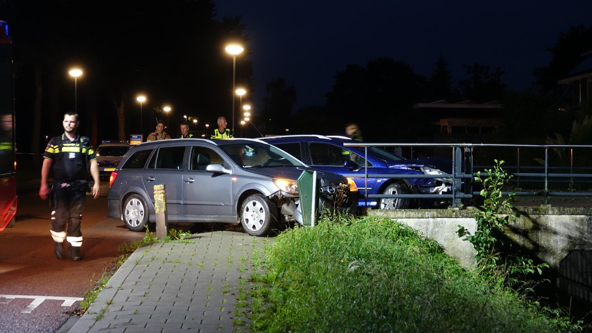 Automobilist naar het ziekenhuis na aanrijding in Venhuizen