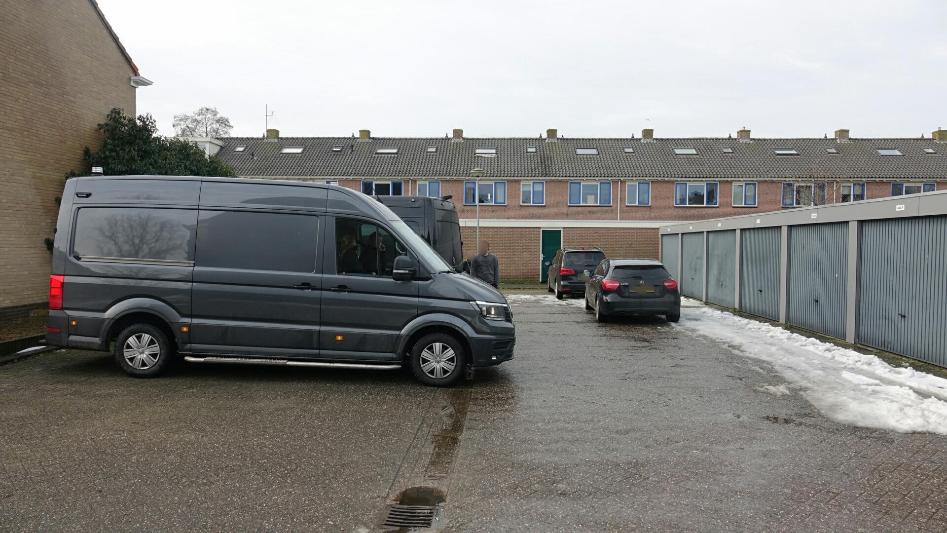 Politie doet inval bij garagebox in Bovenkarspel