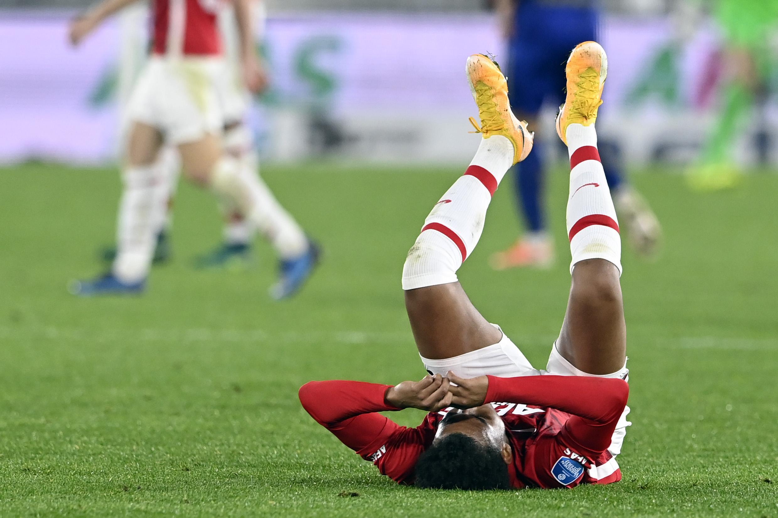 AZ: 'In totaal dertien spelers geïnfecteerd met het virus, wedstrijd tegen Napoli gaat door'